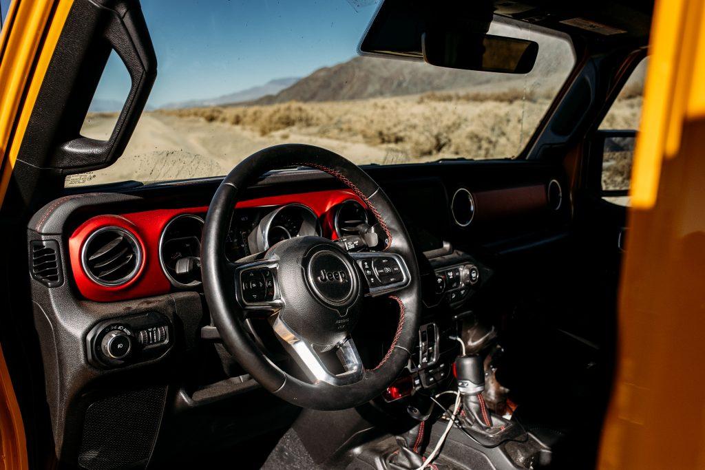 jeep wrangler rubicon interior front steering wheel