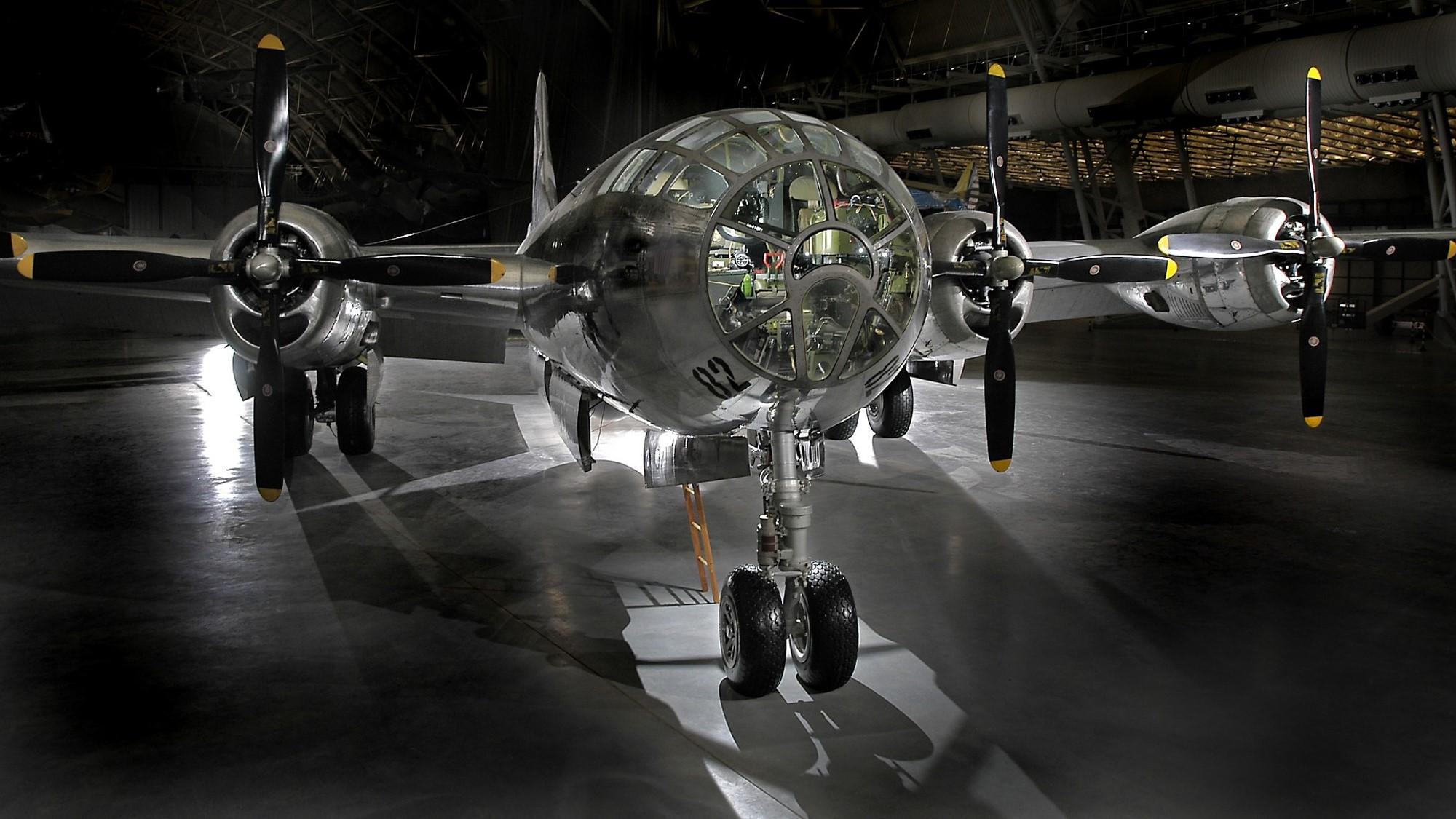 Smithsonian - B-29 Enola Gay