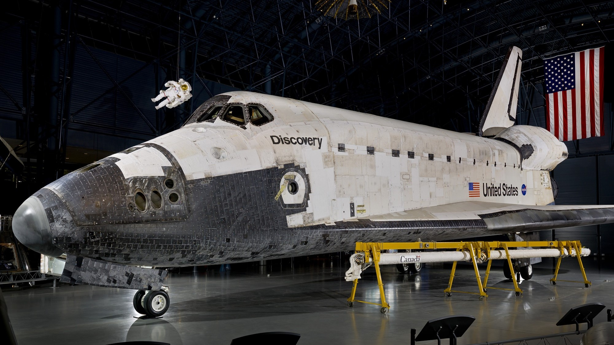 Smithsonian - Space Shuttle Discovery
