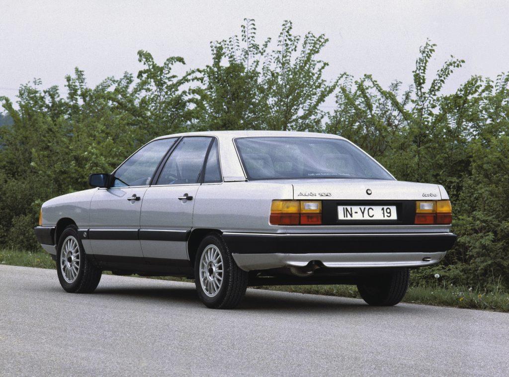 Audi 100 rear three-quarter