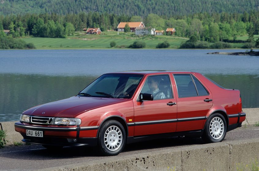 Saab 9000 front three-quarter