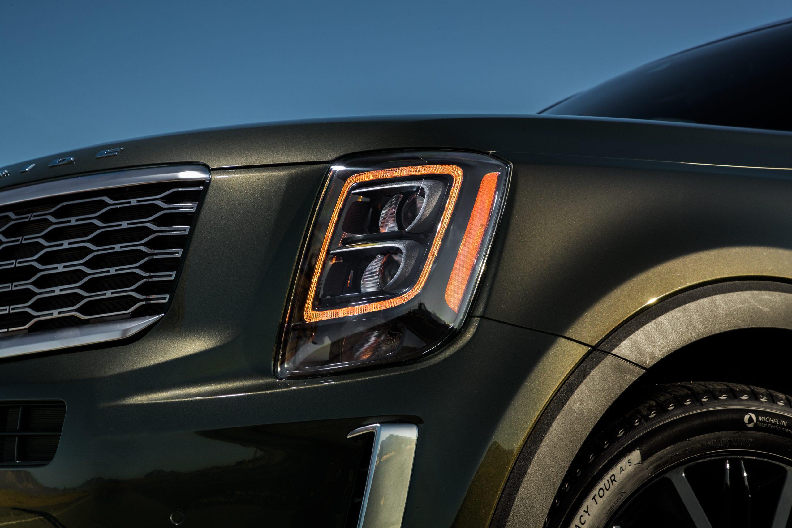 2021 Kia Telluride amber DRL headlight