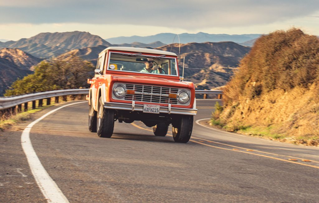 1974 Ford Bronco front action
