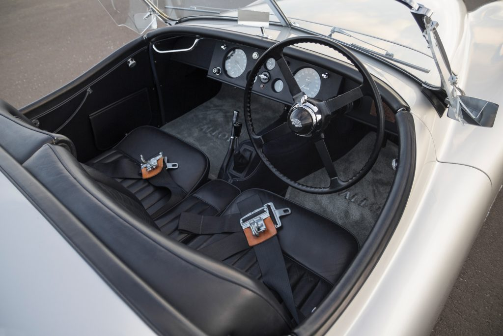 1949-Jaguar-XK120-Alloy-Roadster interior
