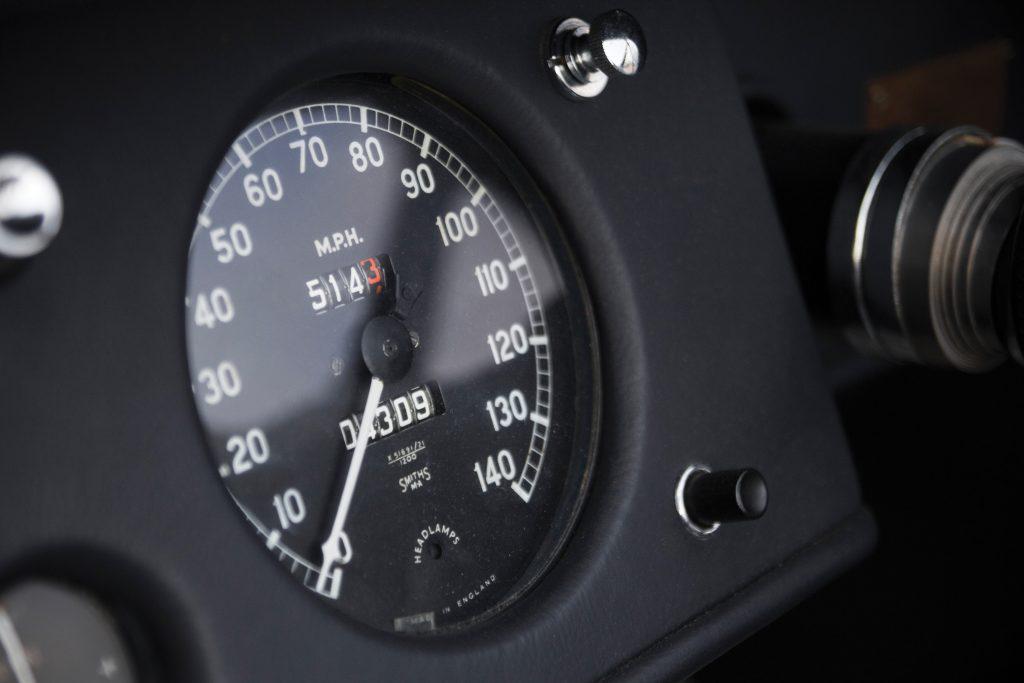 1949-Jaguar-XK120-Alloy-Roadster speedometer