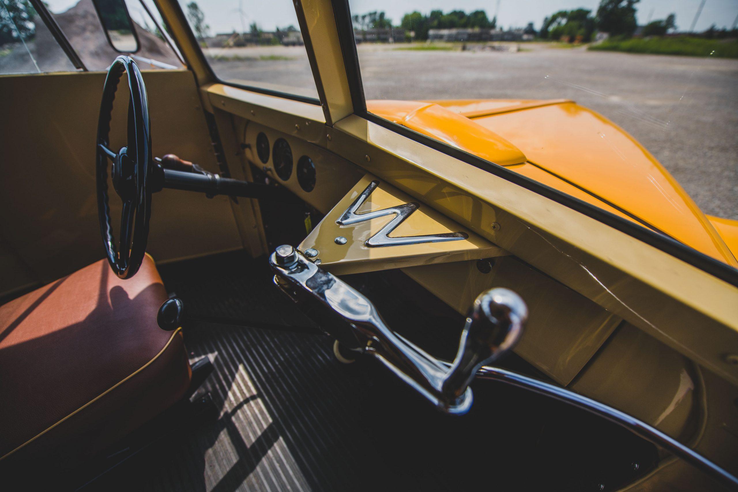1949-Nash-Model-3248-School-Bus interior door handle