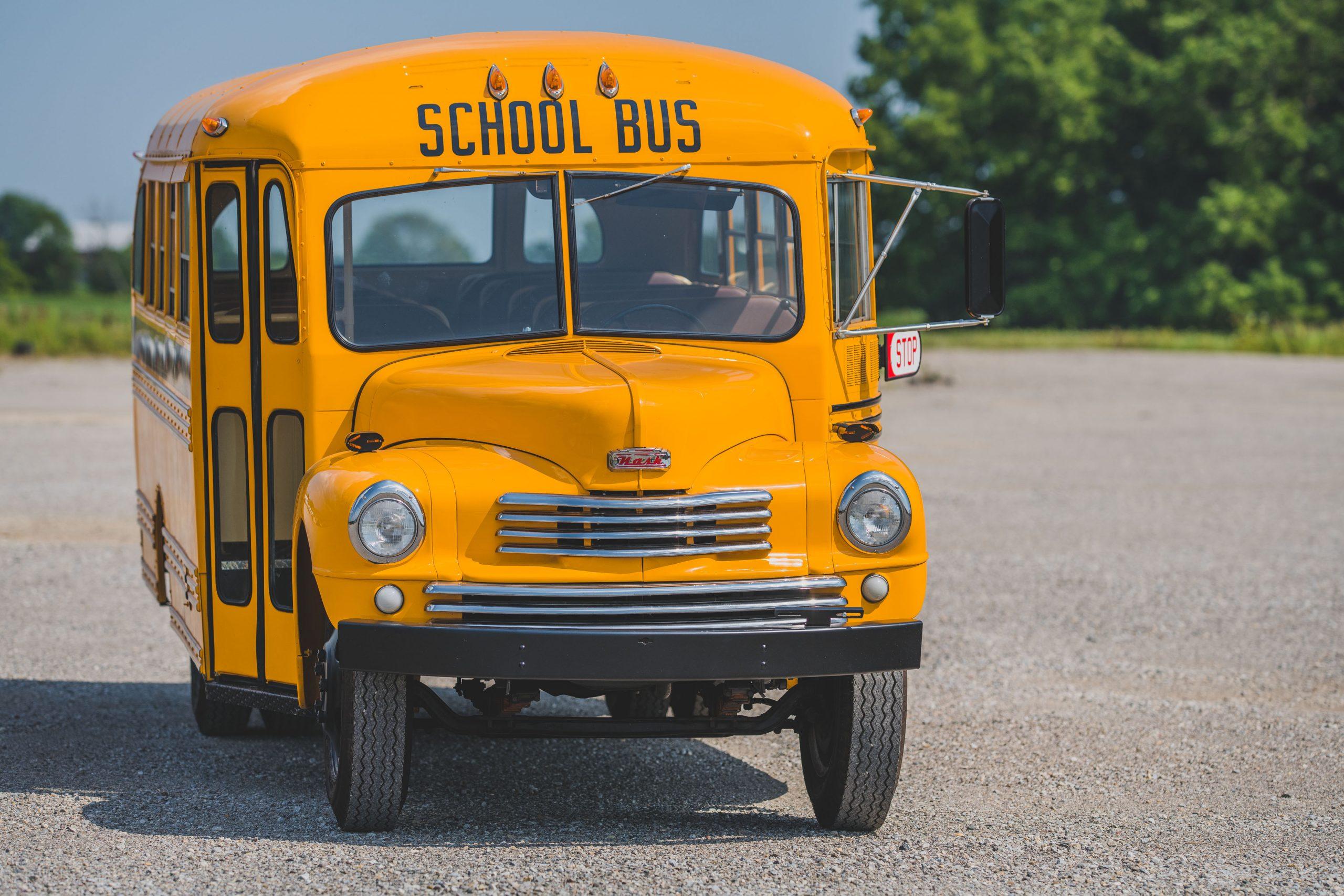 1949-Nash-Model-3248-School-Bus front