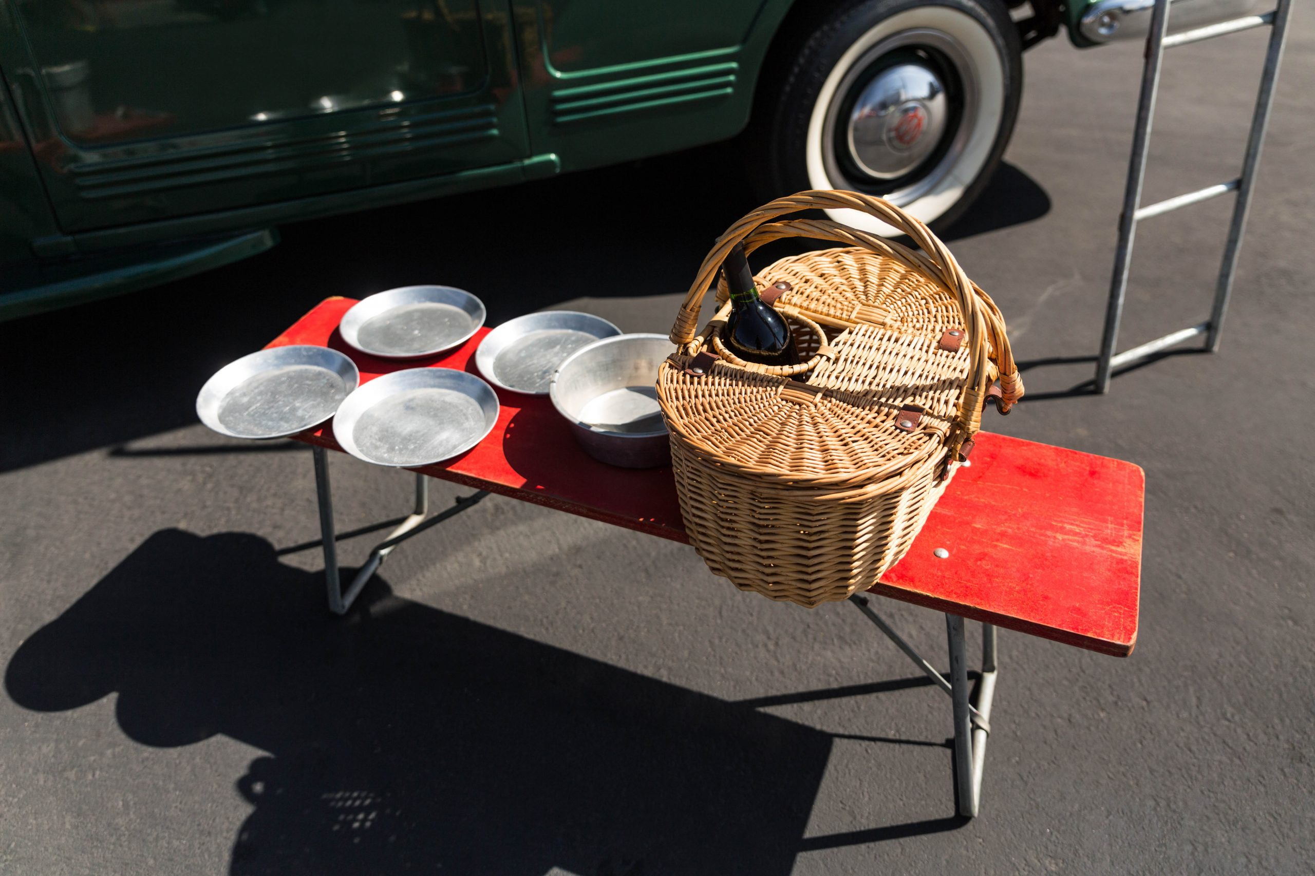 1949-Willys-Jeep-Station-Wagon-Camper picnic gear