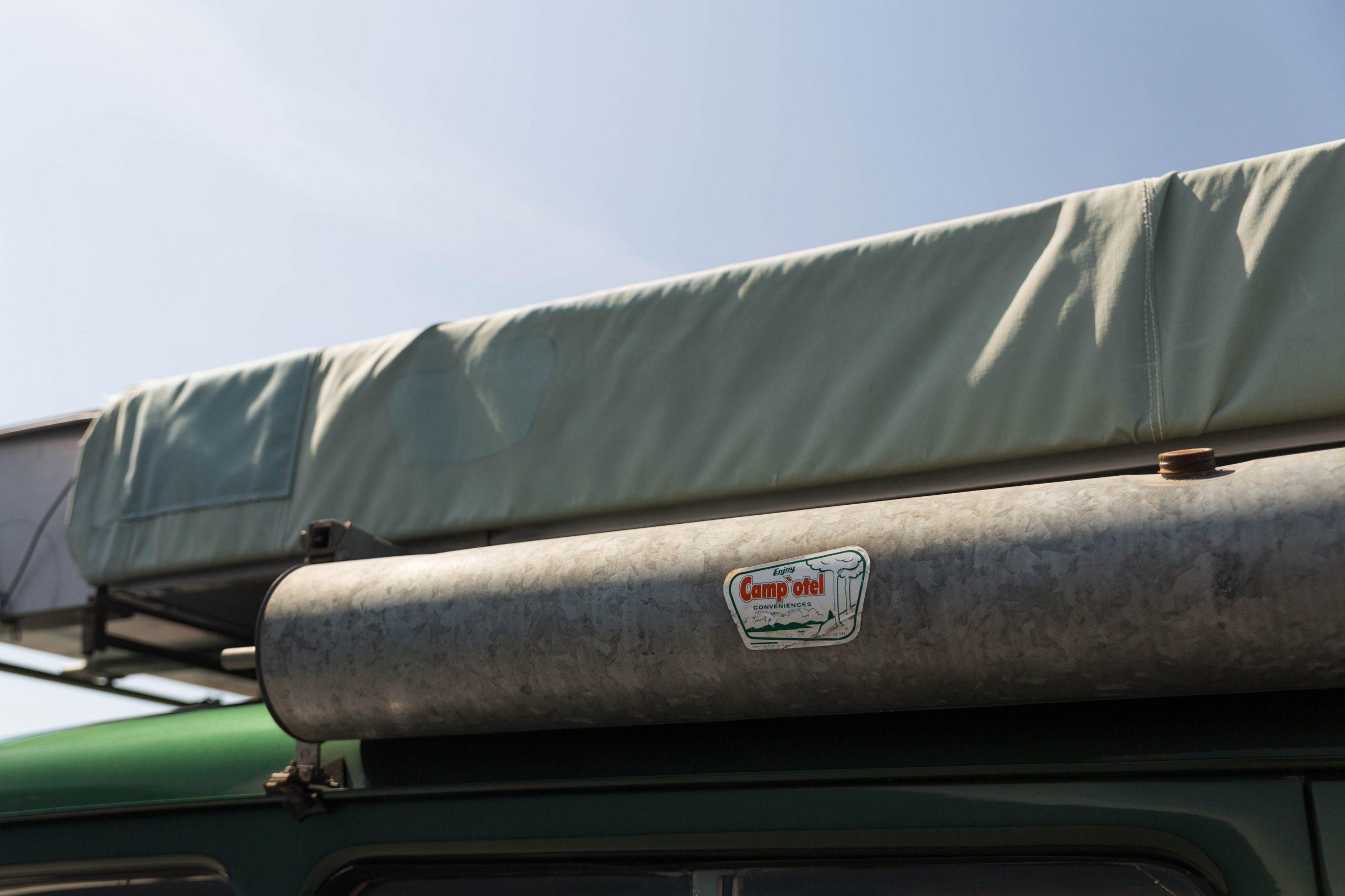 1949-Willys-Jeep-Station-Wagon-Camper roof tent