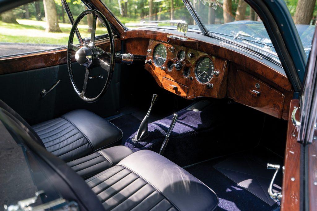 1951-Jaguar-XK-120-Fixed-Head-Coupe interior