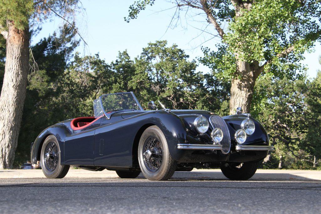 1952-Jaguar-XK-120-Roadster front three-quarter