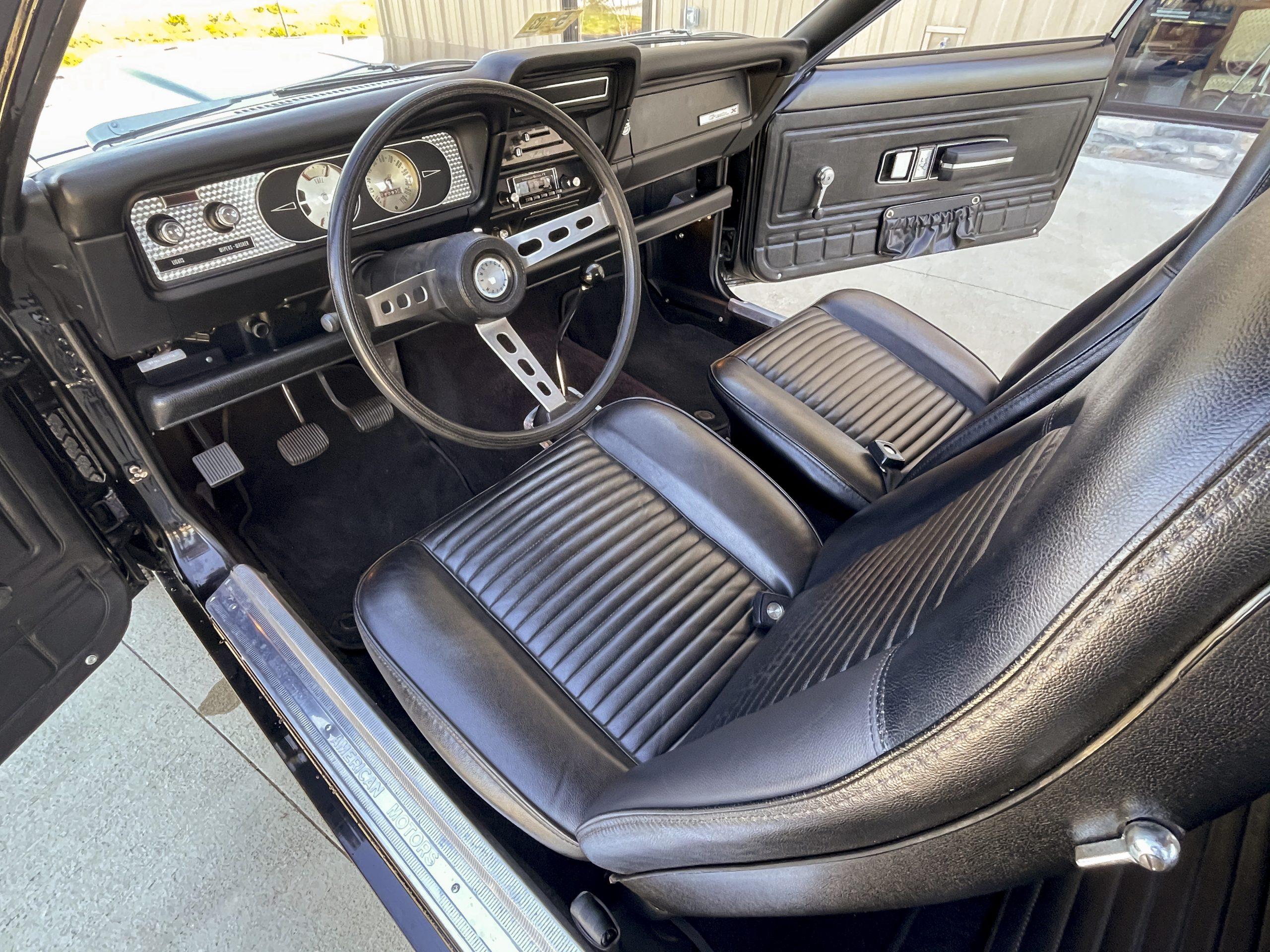 1972-AMC-Gremlin-X interior