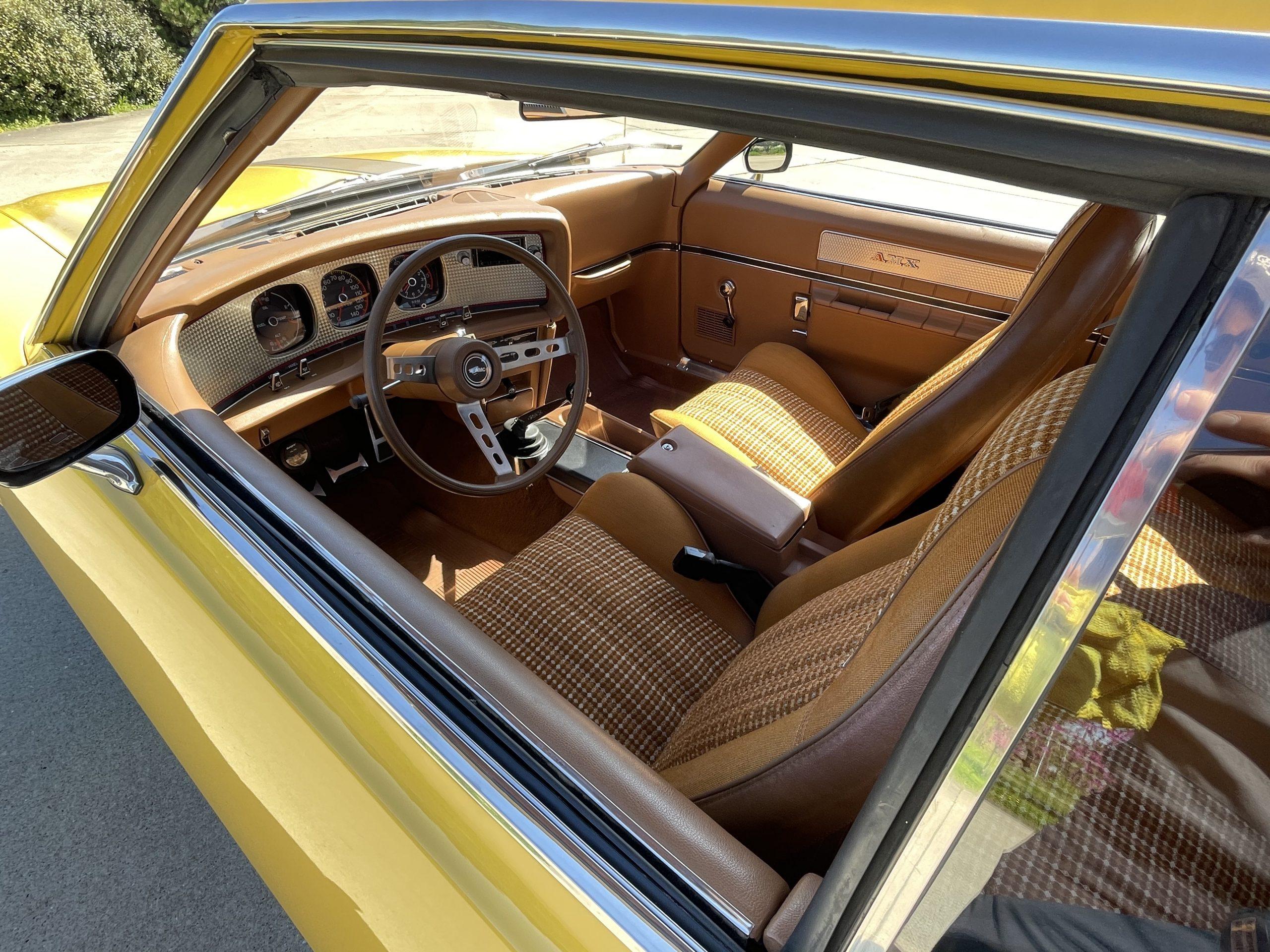 1974-AMC-Javelin-AMX interior