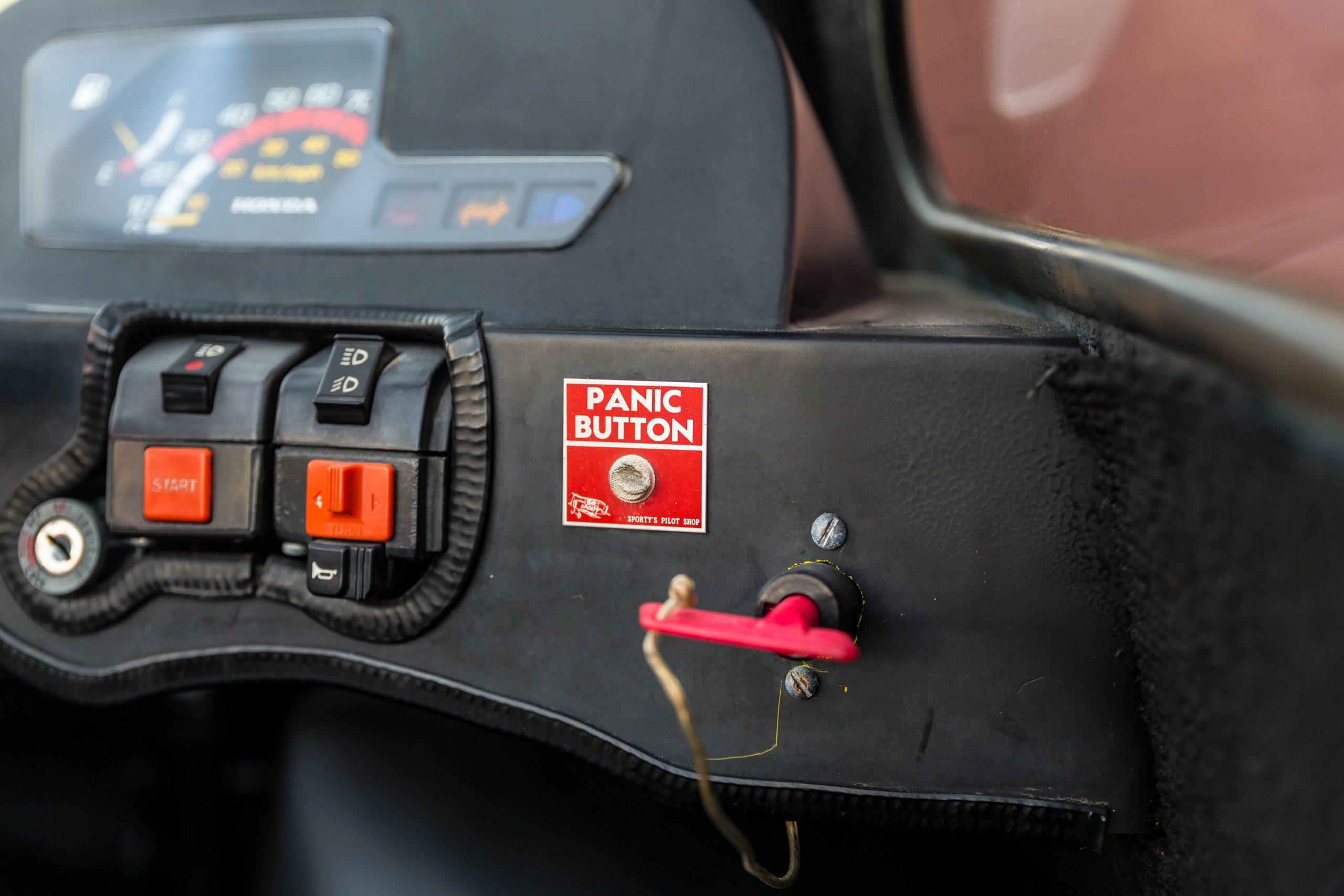 1984-Zoe-Zipper interior gauges