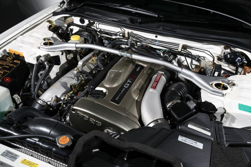 2002 Nissan Skyline GT-R engine bay