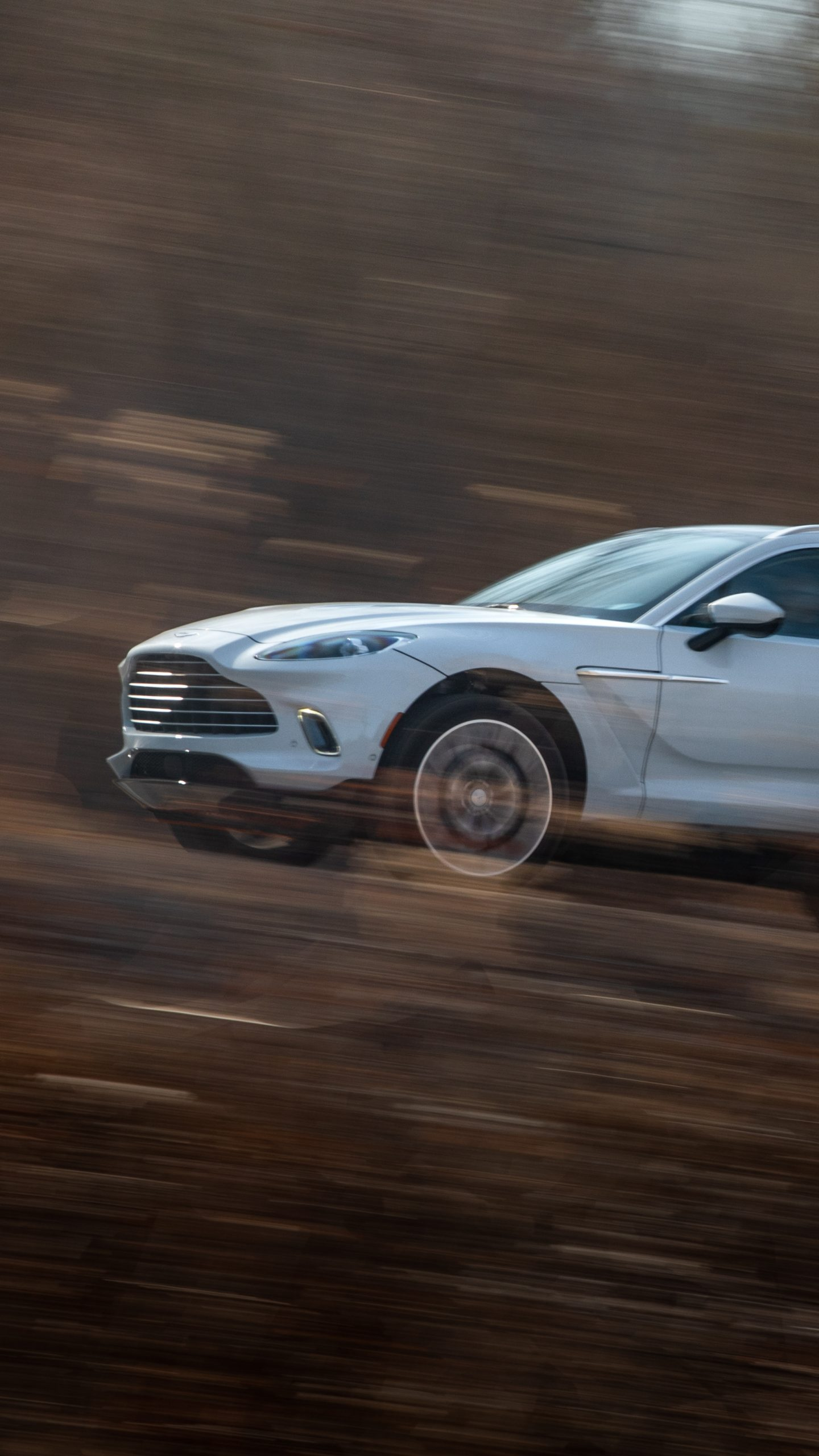 2021 Aston Martin DBX front end action