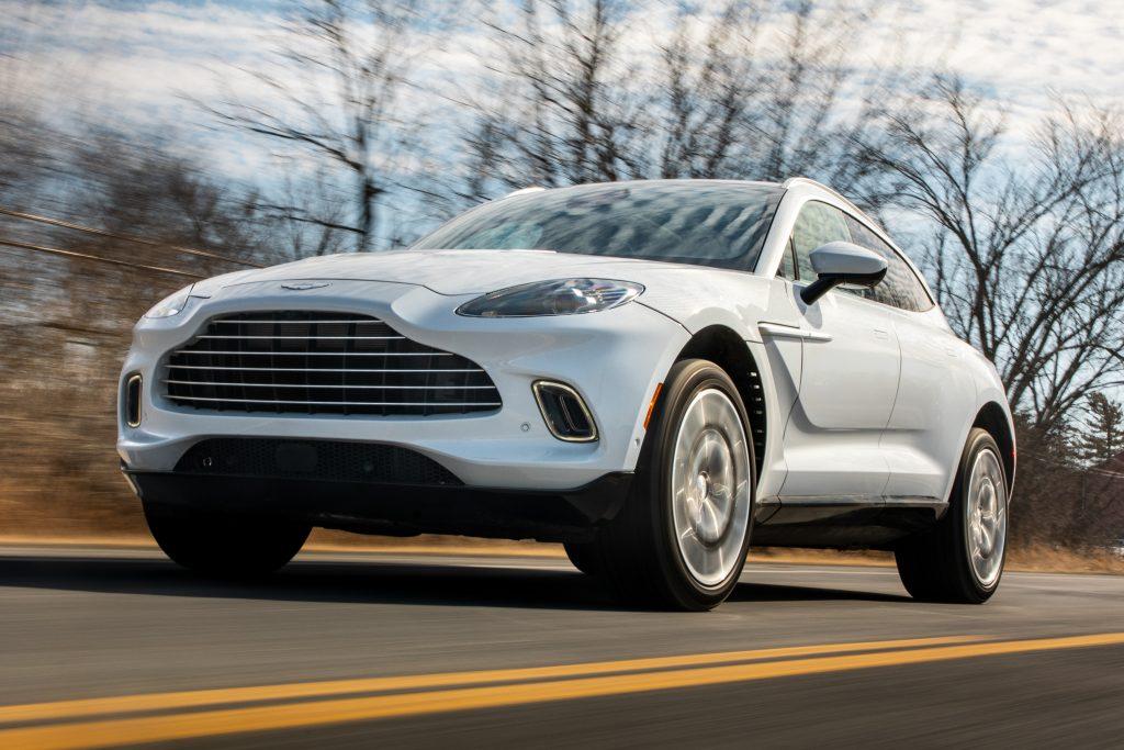 2021 Aston Martin DBX front three-quarter action