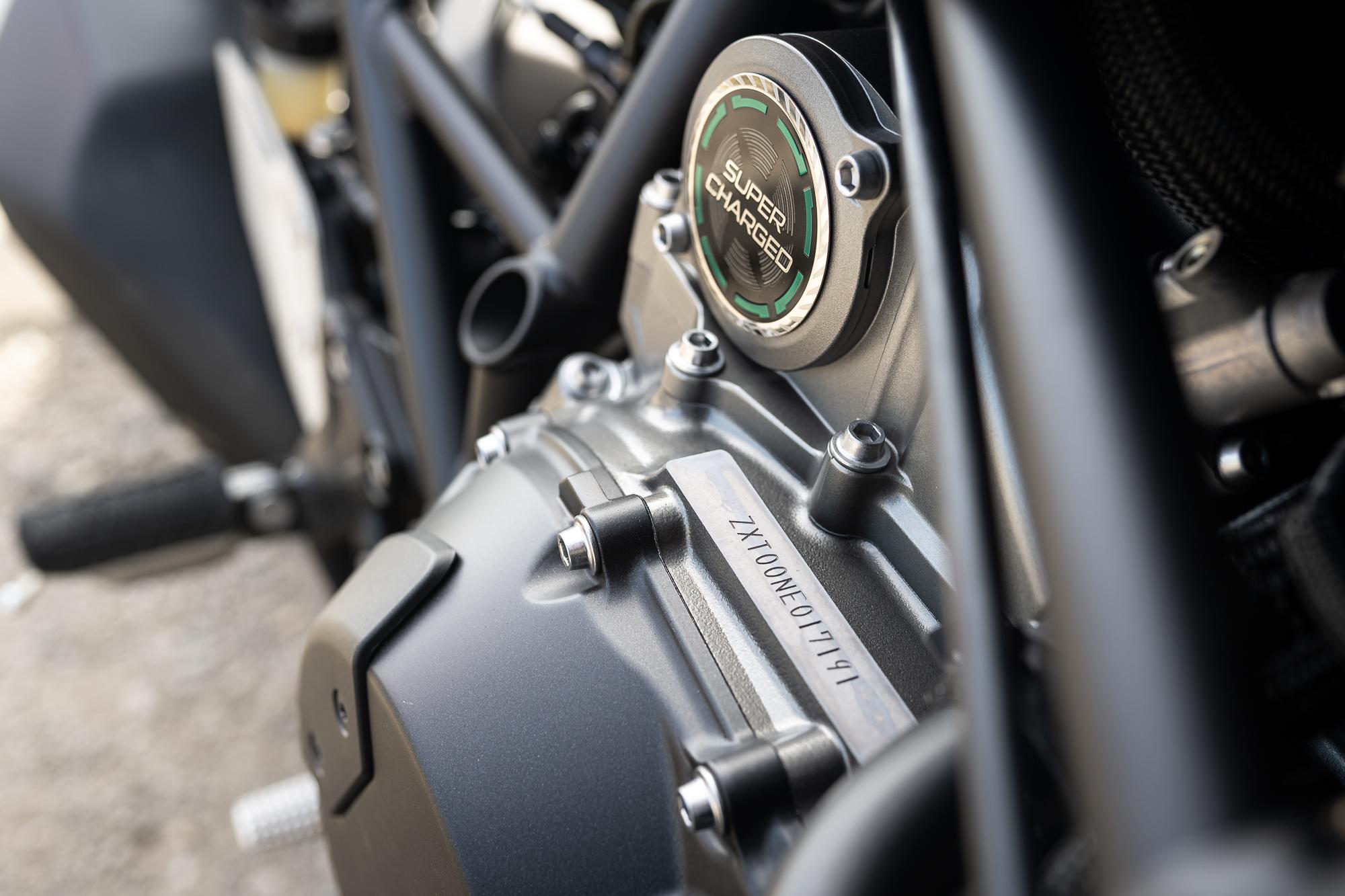 2021 Kawasaki H2 SX-SE super charged detail