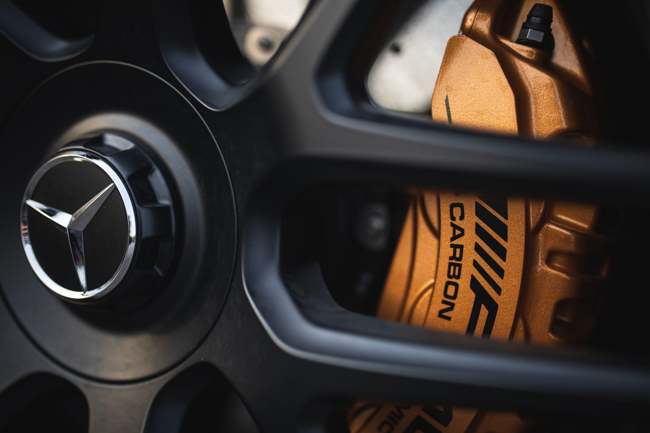 2021 Mercedes-AMG E63 S brake caliper rotor wheel detail