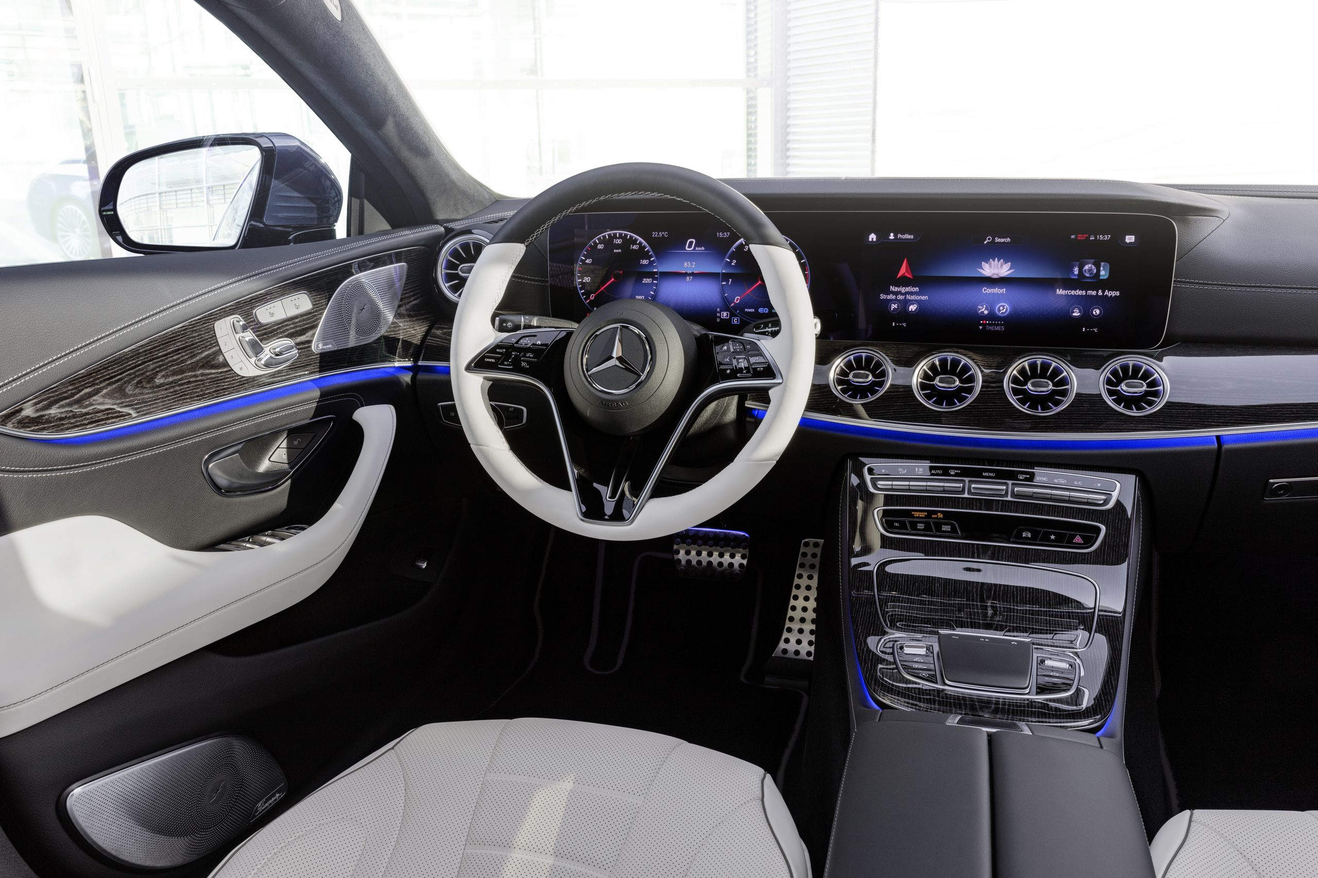 2021 Mercedes-Benz CLS 450 4Matic Coupé interior front cabin