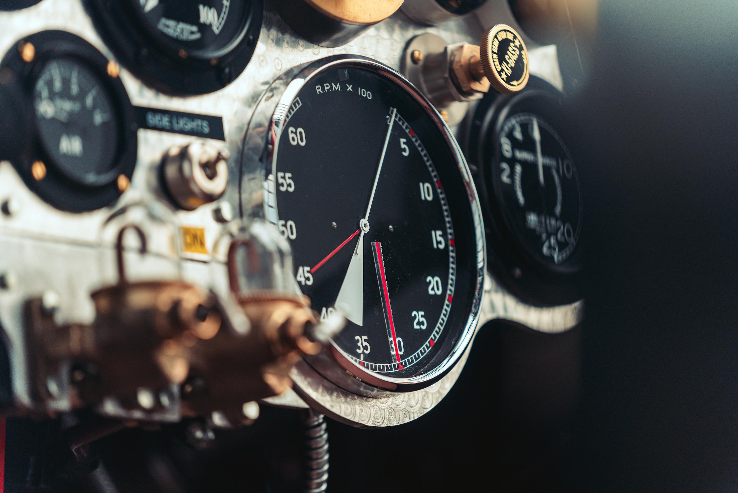 Blower Bentley interior rpm detail