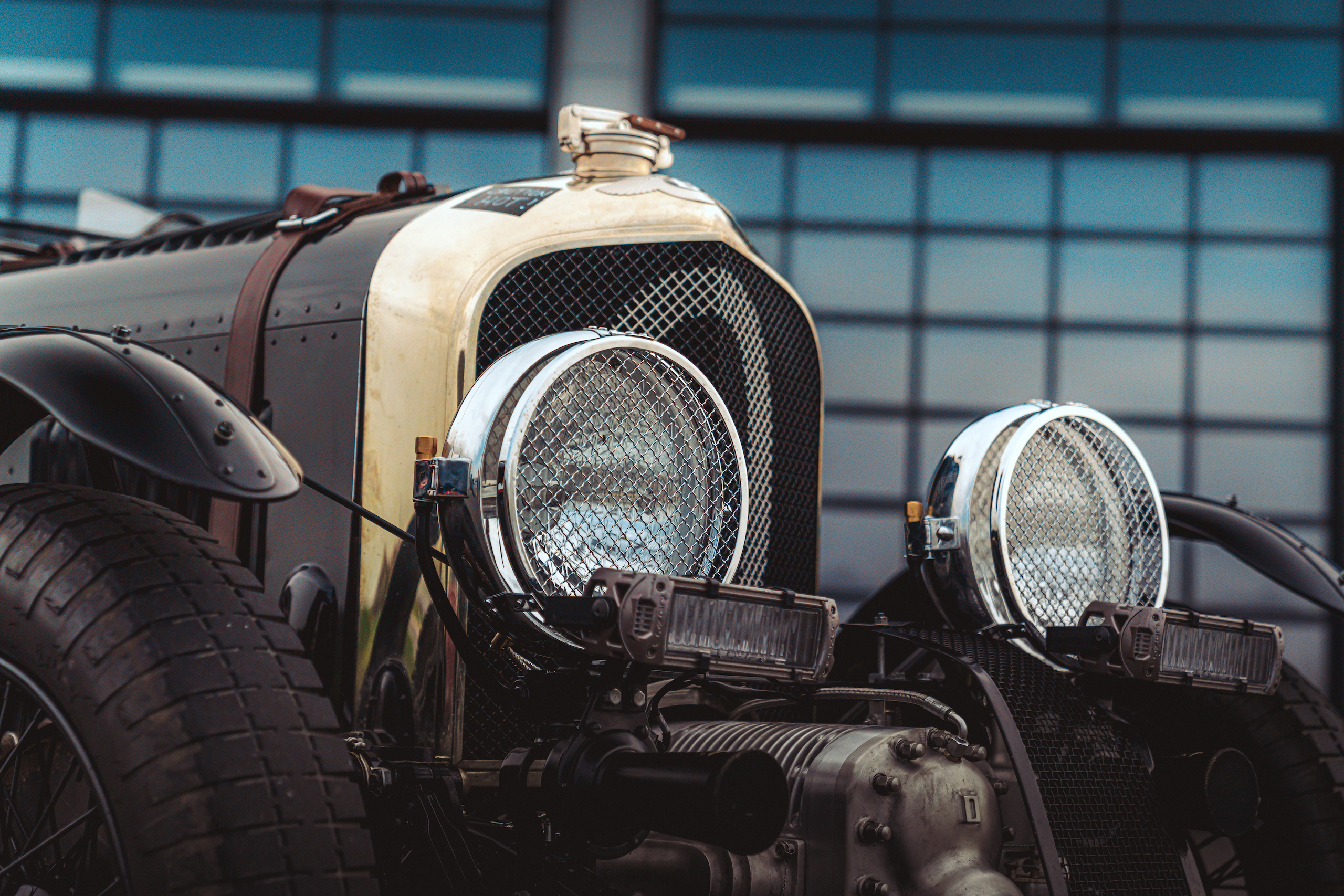 Blower Bentley front detail