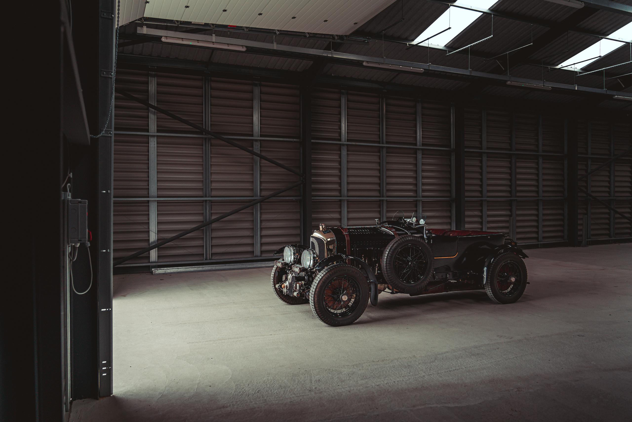 Blower Bentley front three-quarter hangar