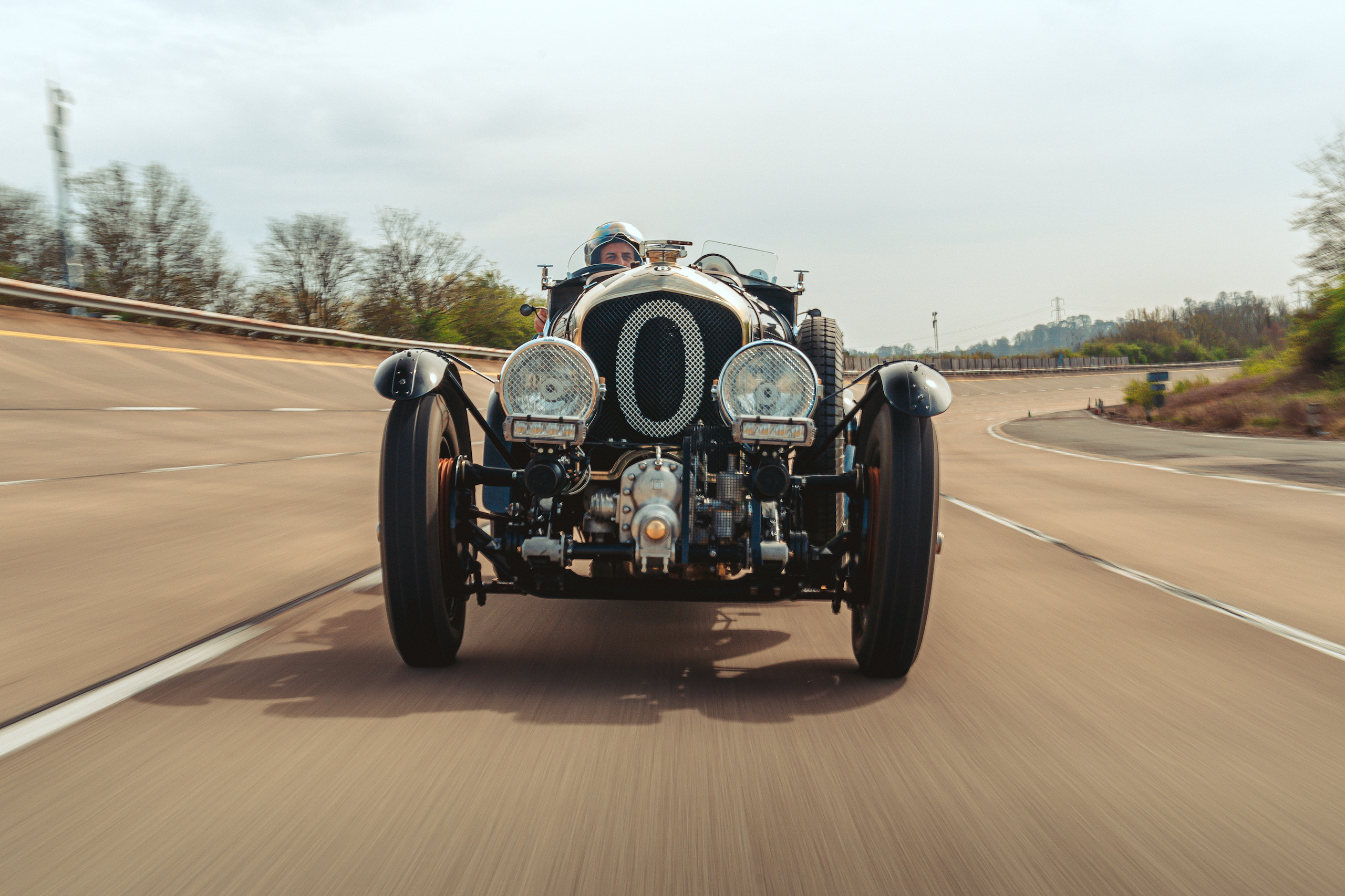 Blower Bentley front track action