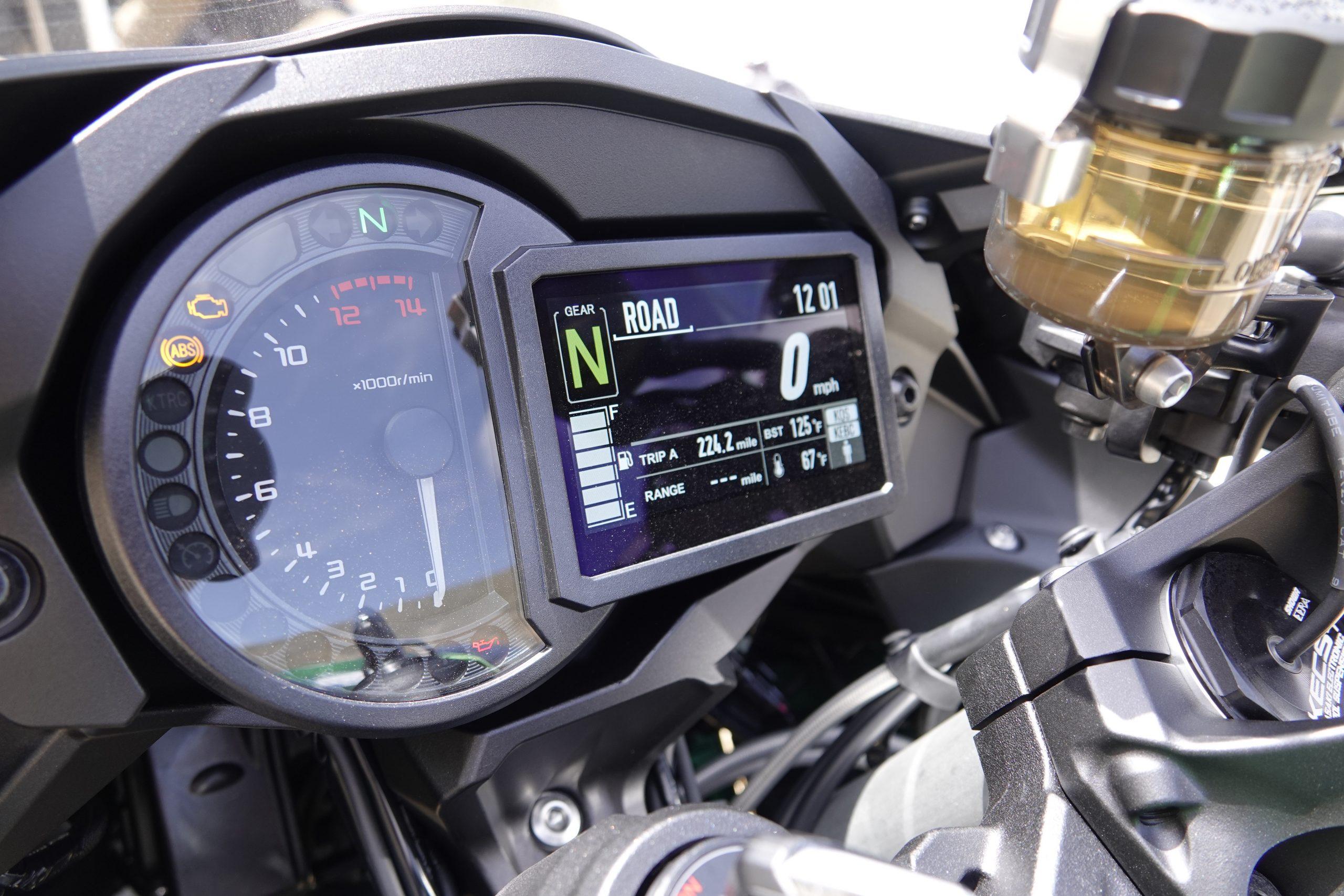 2021 Kawasaki H2 SX-SE gauges