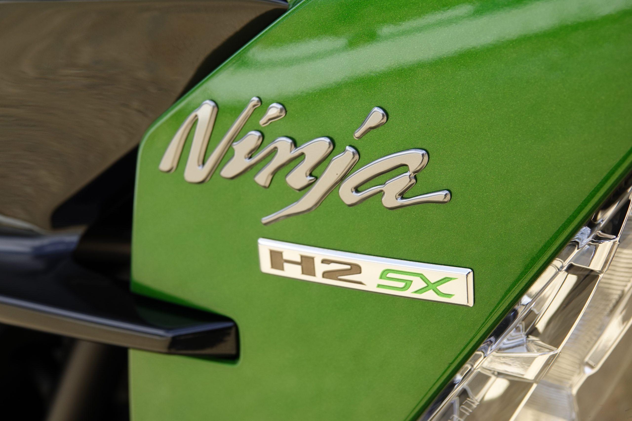 2021 Kawasaki H2 SX-SE tank badging