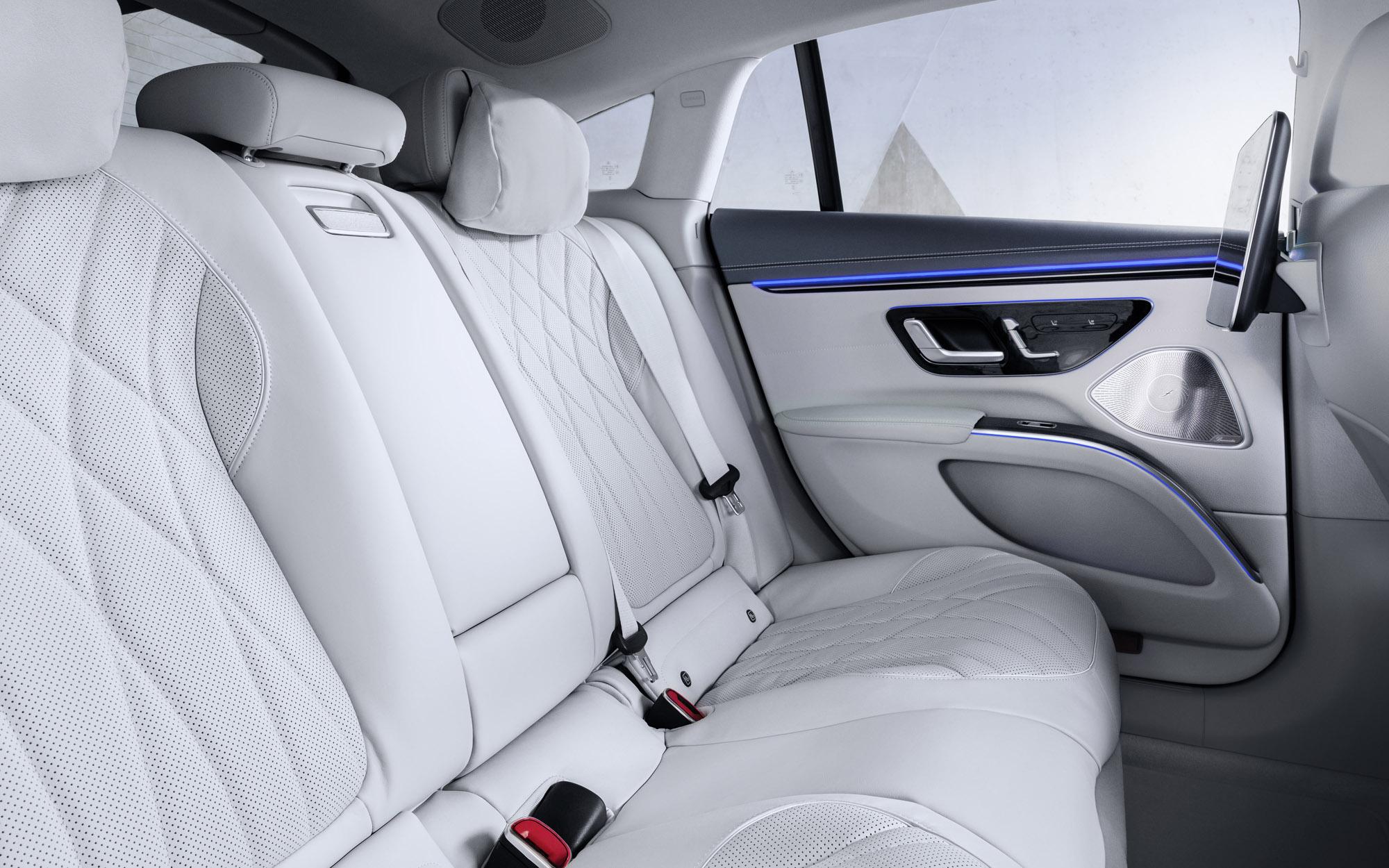 Mercedes-EQ, EQ interior rear