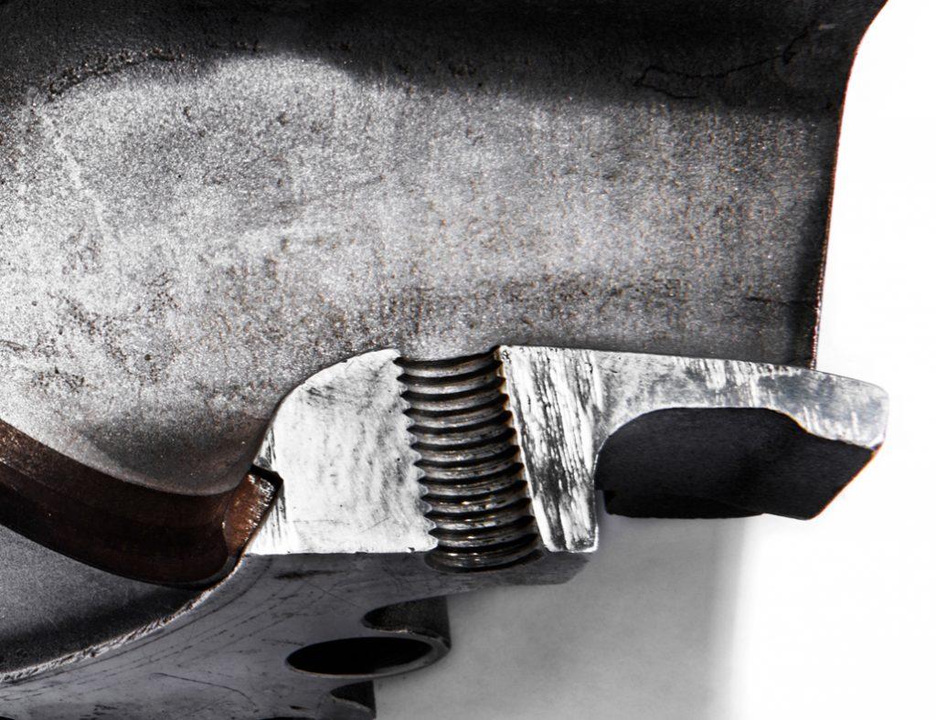 aluminum head cutaway screw-thread