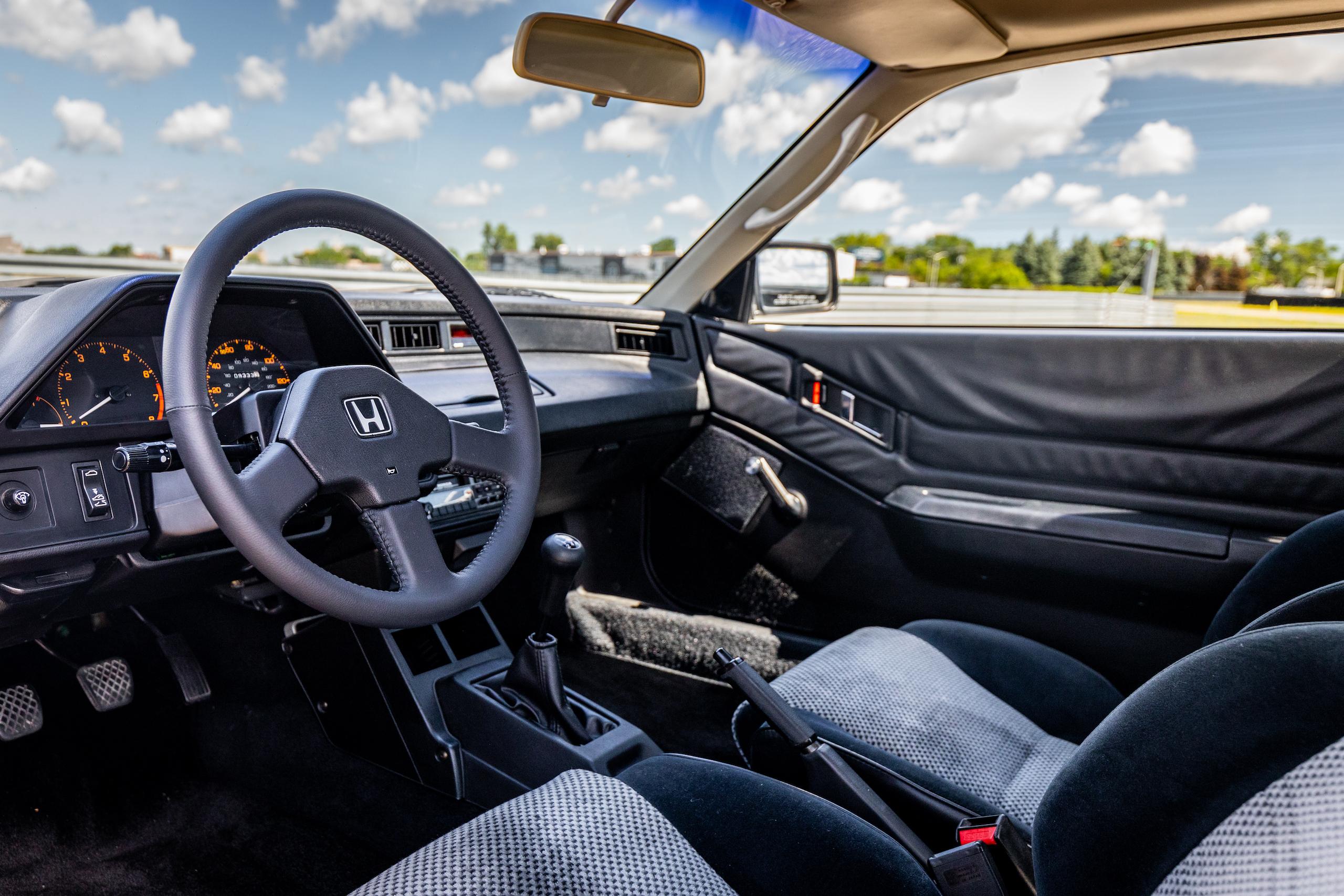 1985 CRX Si interior angle