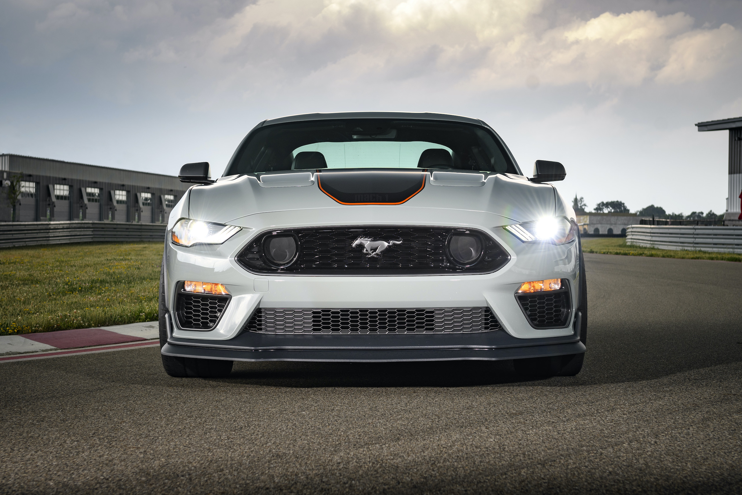 2021 Mustang Mach 1 white front