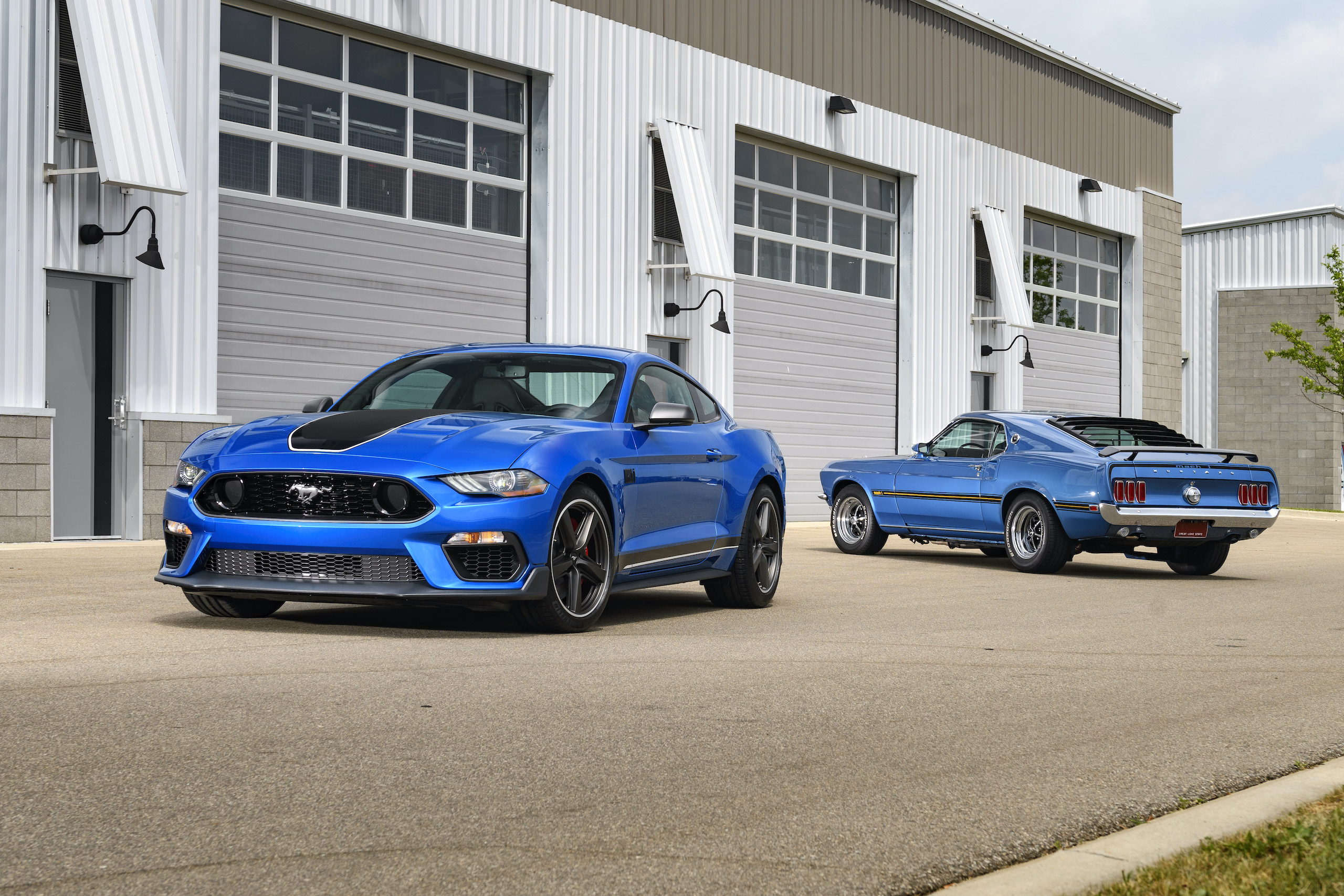 2021 Mustang Mach 1 blue front three-quarter with classic