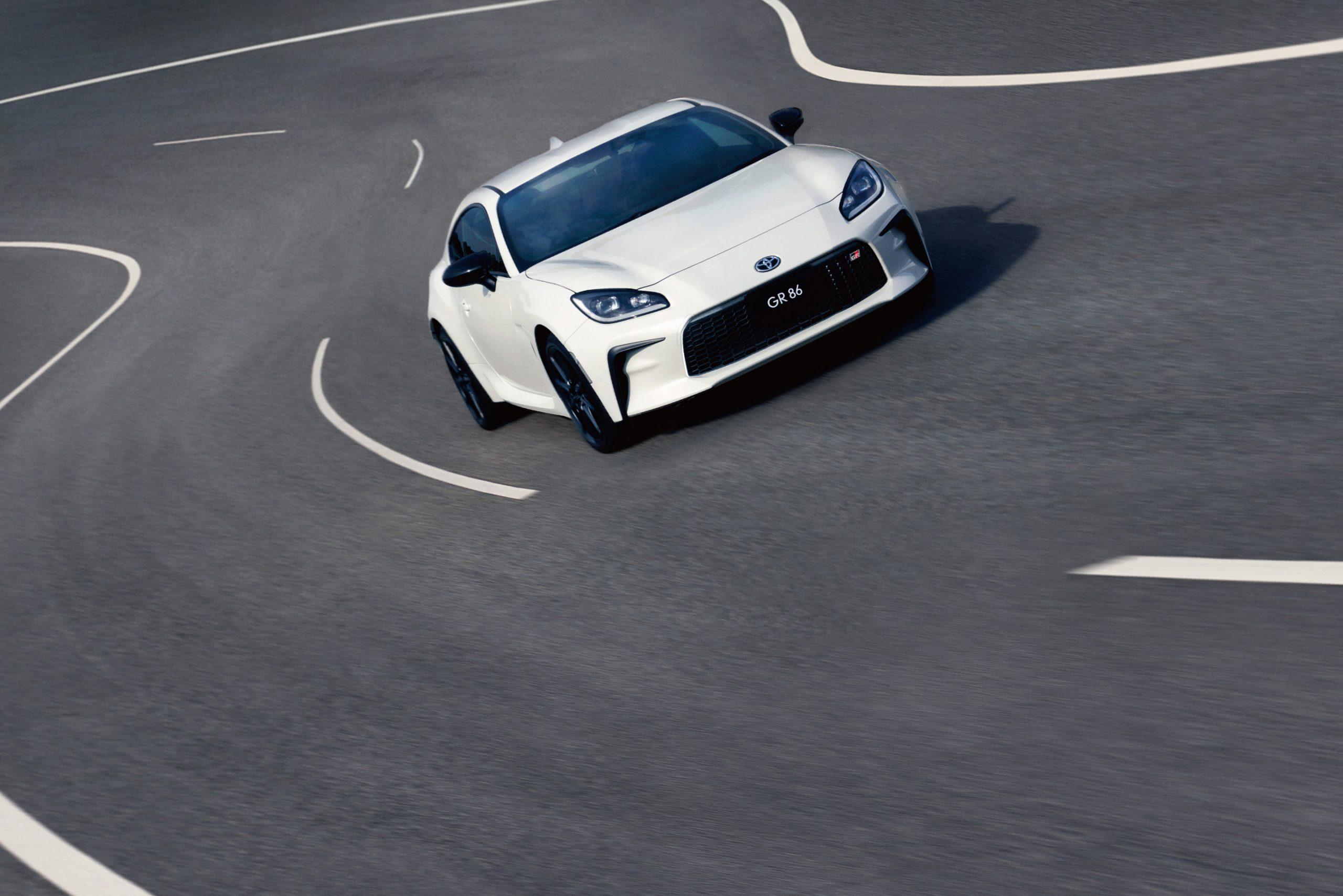 Toyota 2022 GR 86 Japan-spec on track