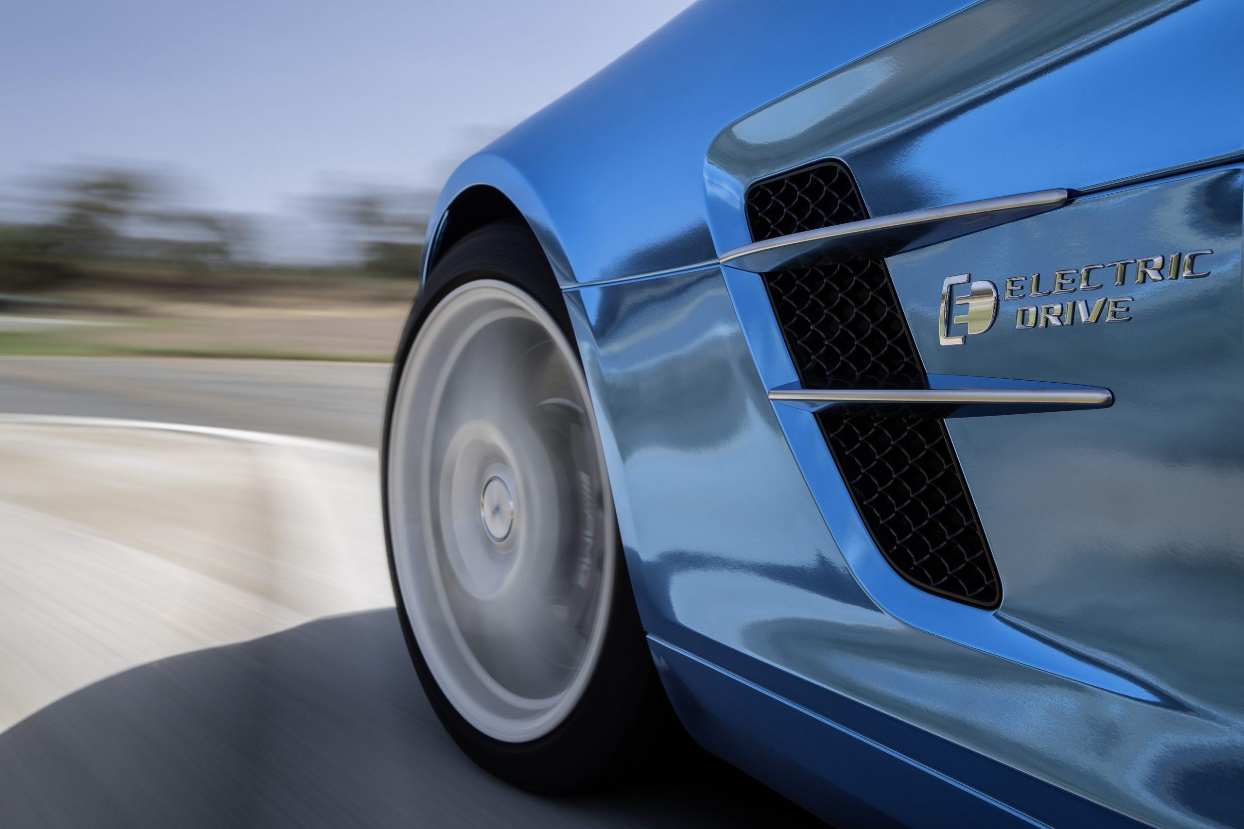 Mercedes-Benz SLS AMG Coupé Electric Drive blue
