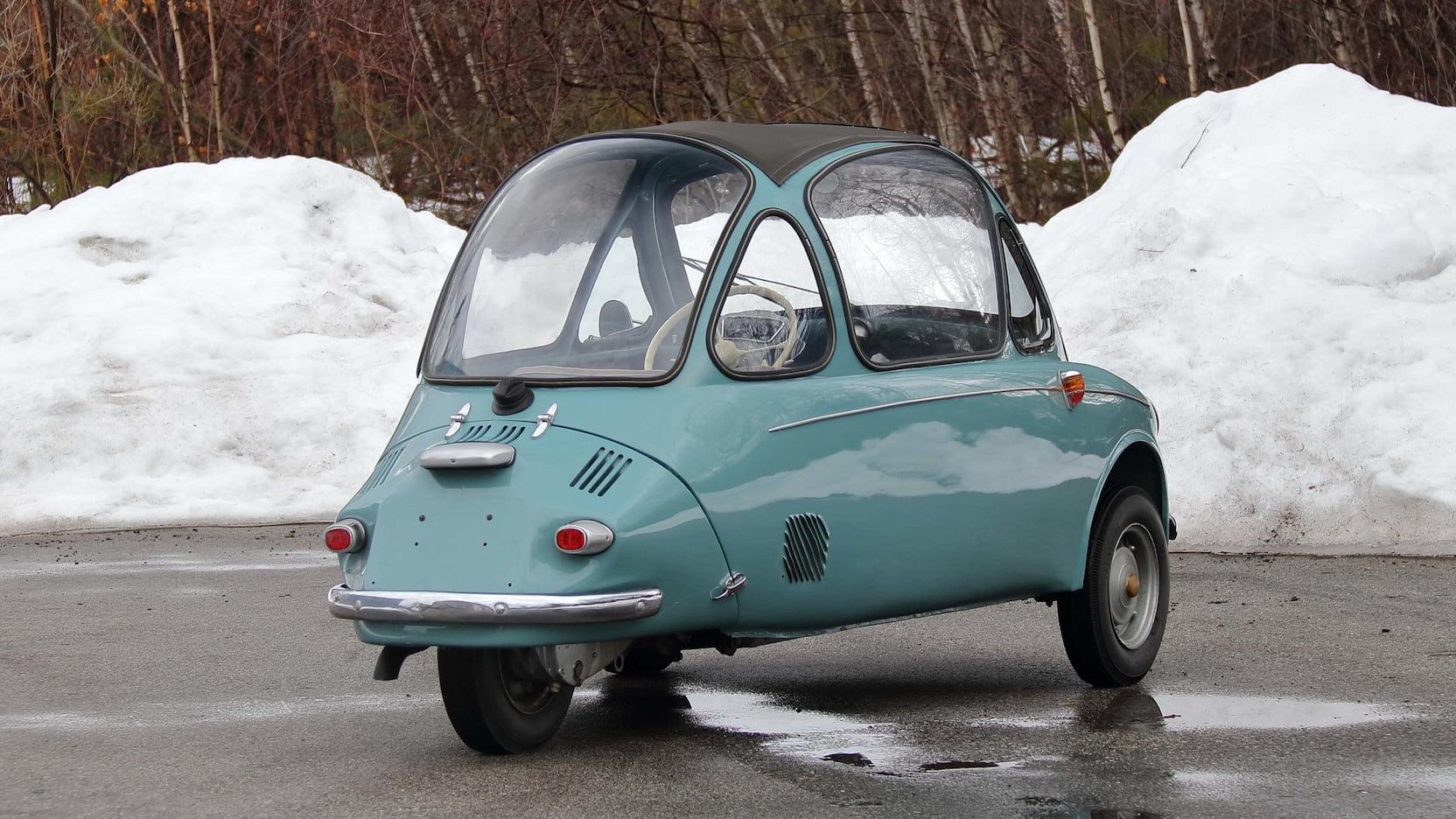 Heinkel Kabinenroller rear three-quarter