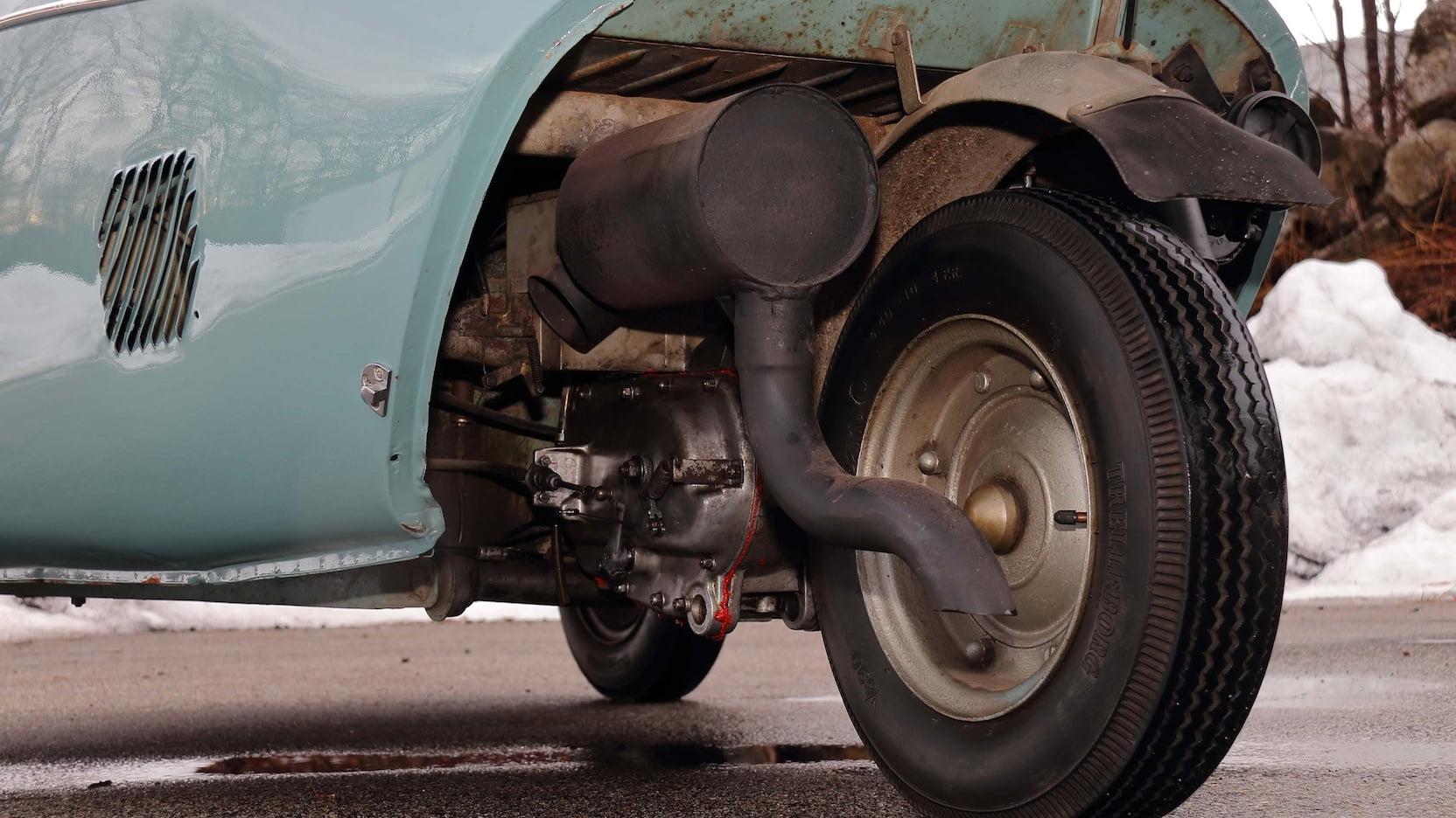 Heinkel Kabinenroller rear engine wheel drive