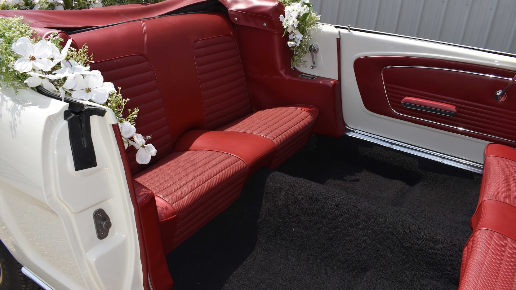 Ford Mustang Limousine rear seat