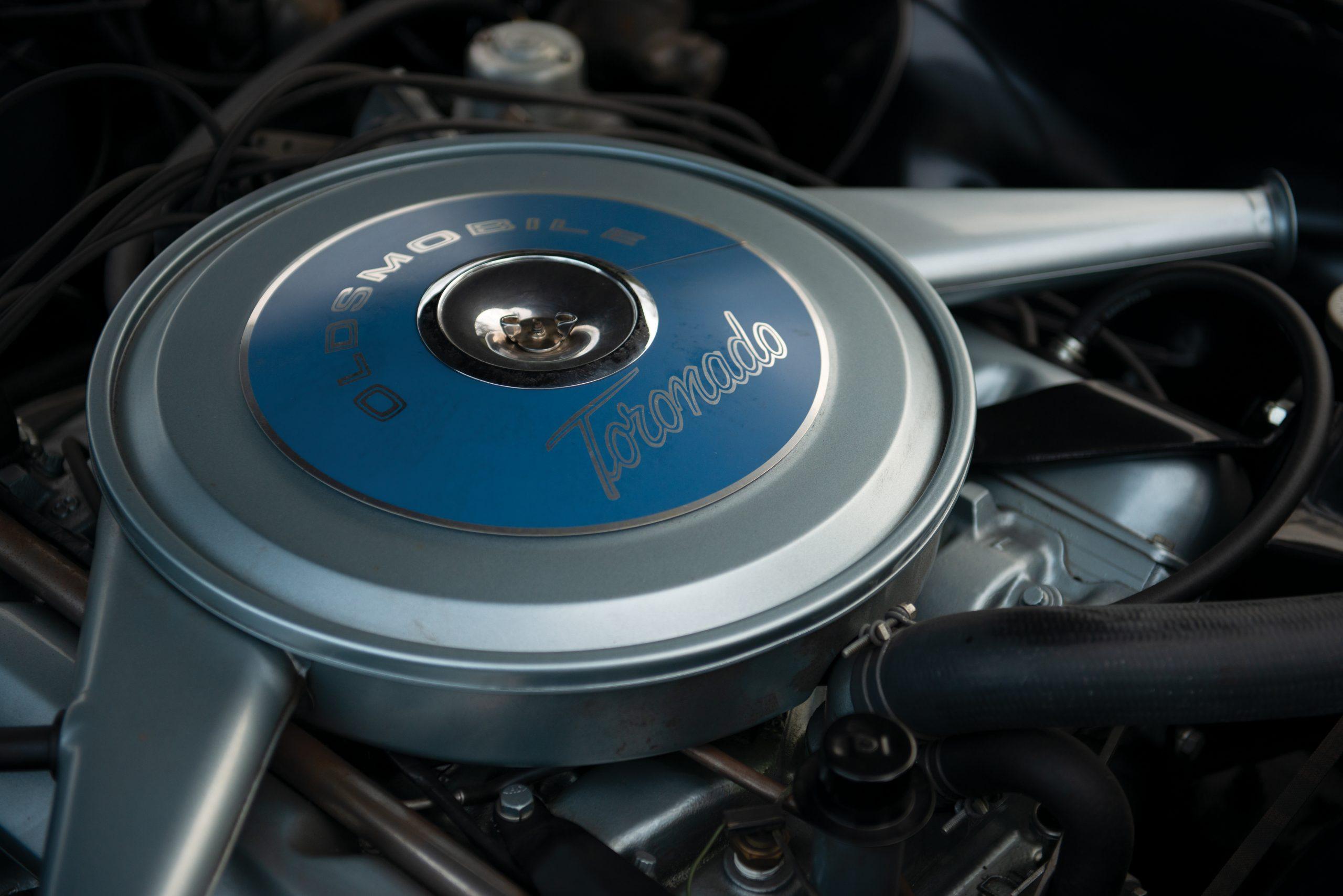 Olds Toronado engine air intake