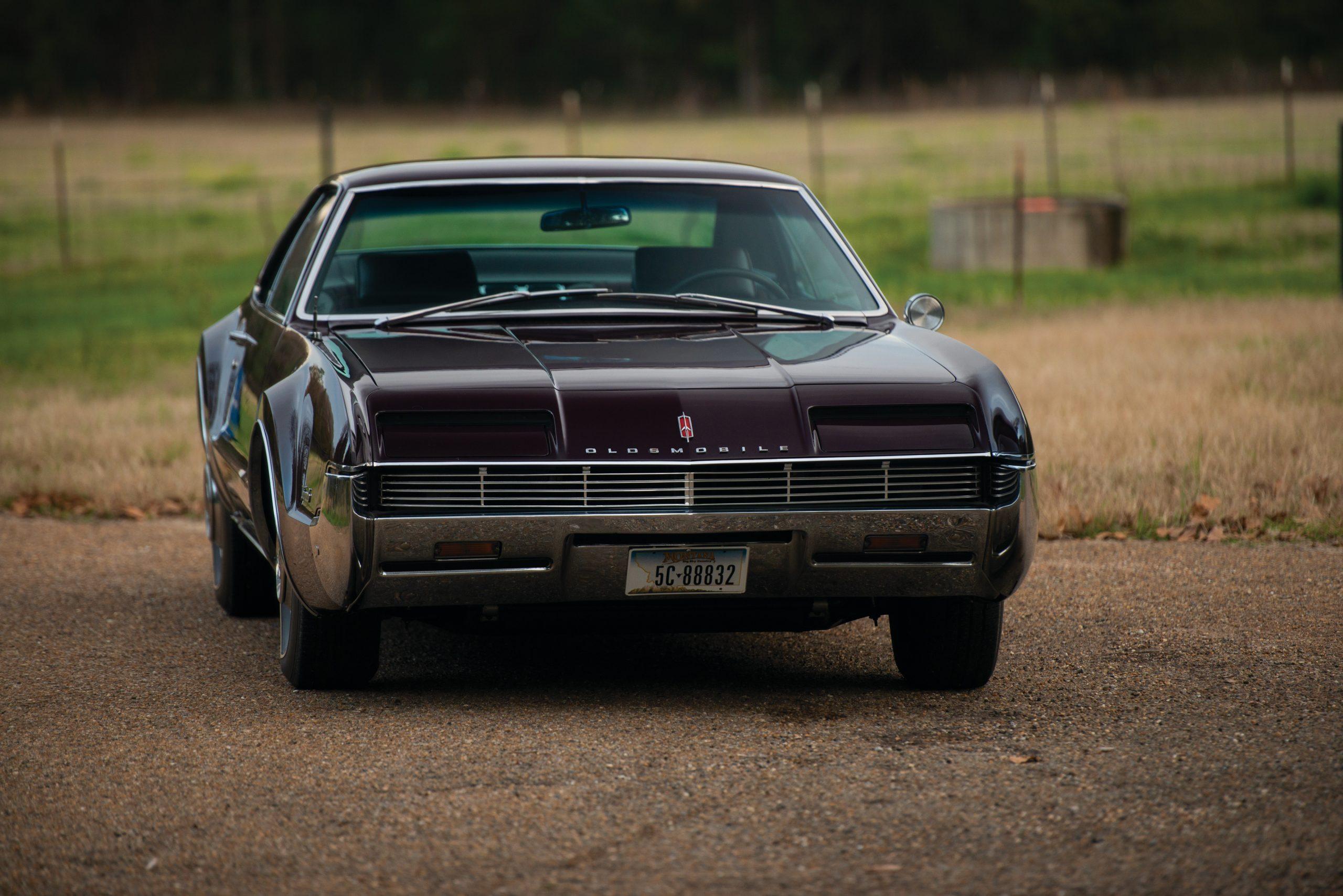 Olds Toronado front