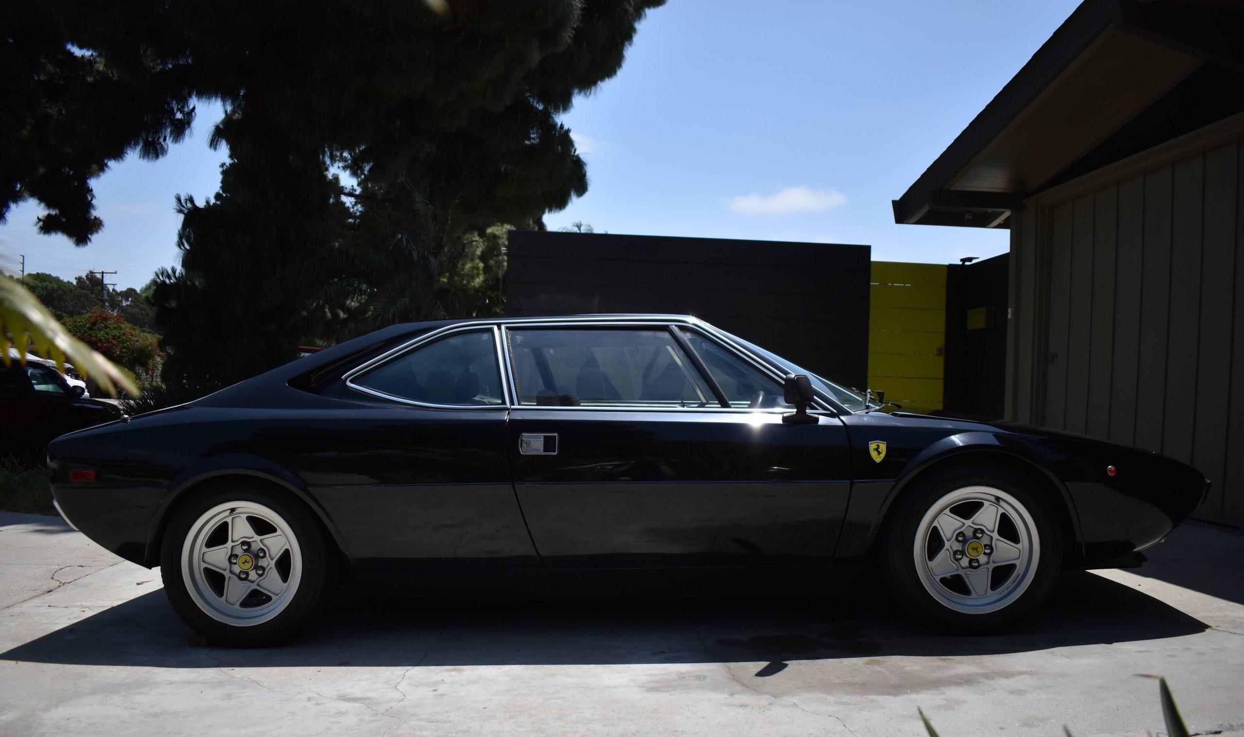 1975-Ferrari-308-GT4 side profile
