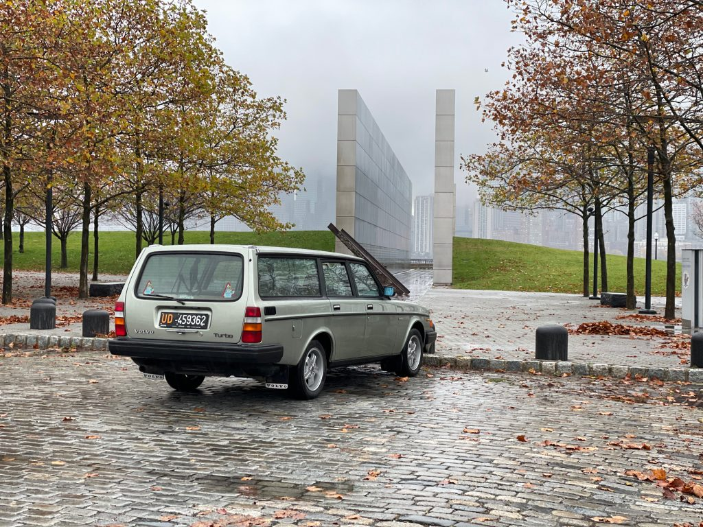 1983 Volvo 245 Turbo rear three-quarter