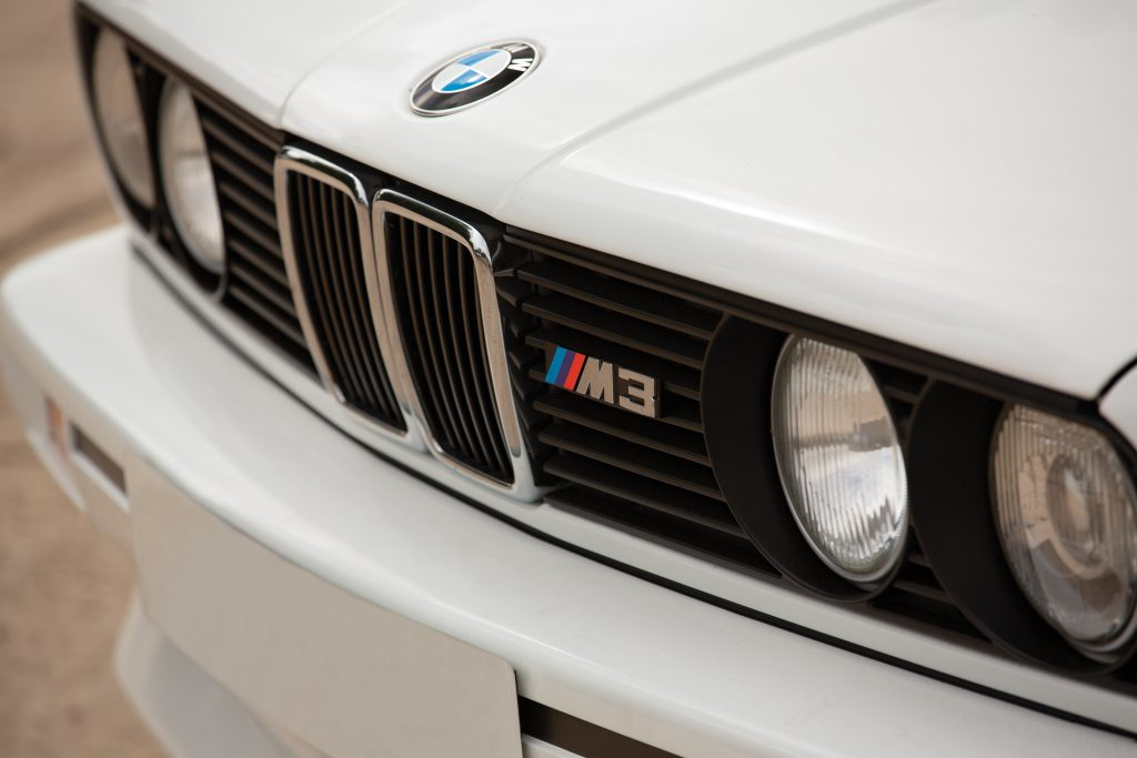 1991-BMW-M3-Grille