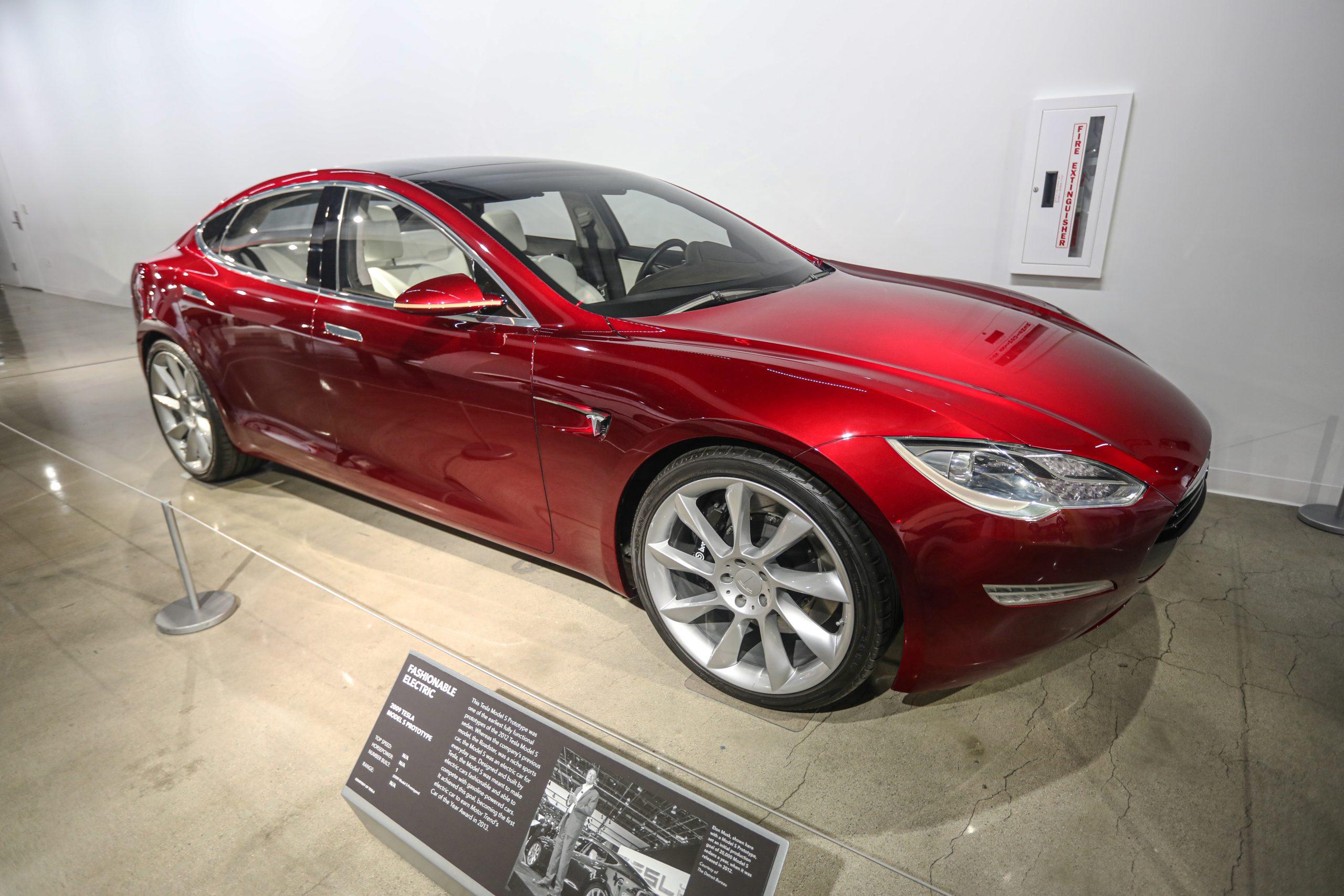 2009 tesla Model S prototype