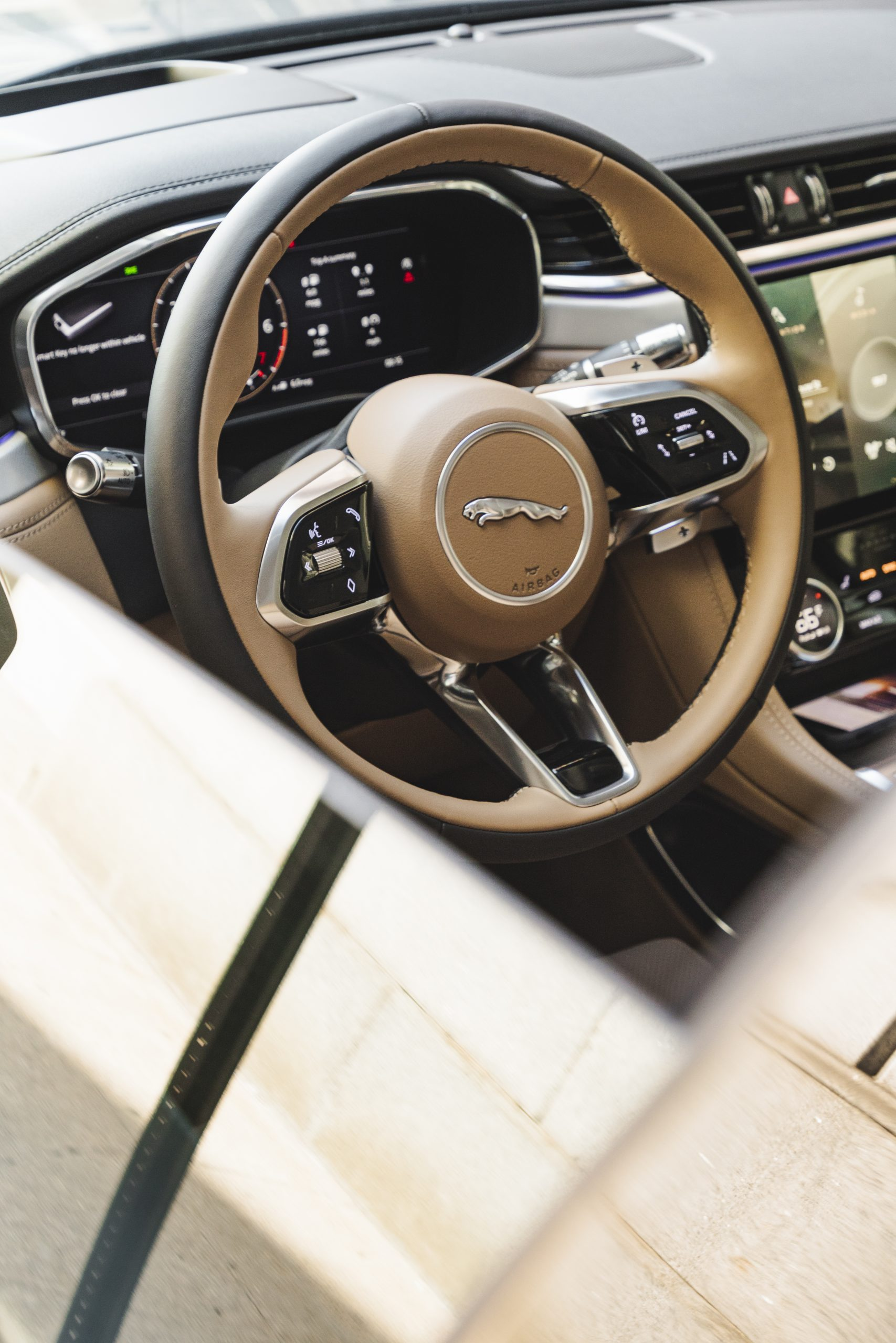 2021 Jaguar F-PACE S P340 steering wheel