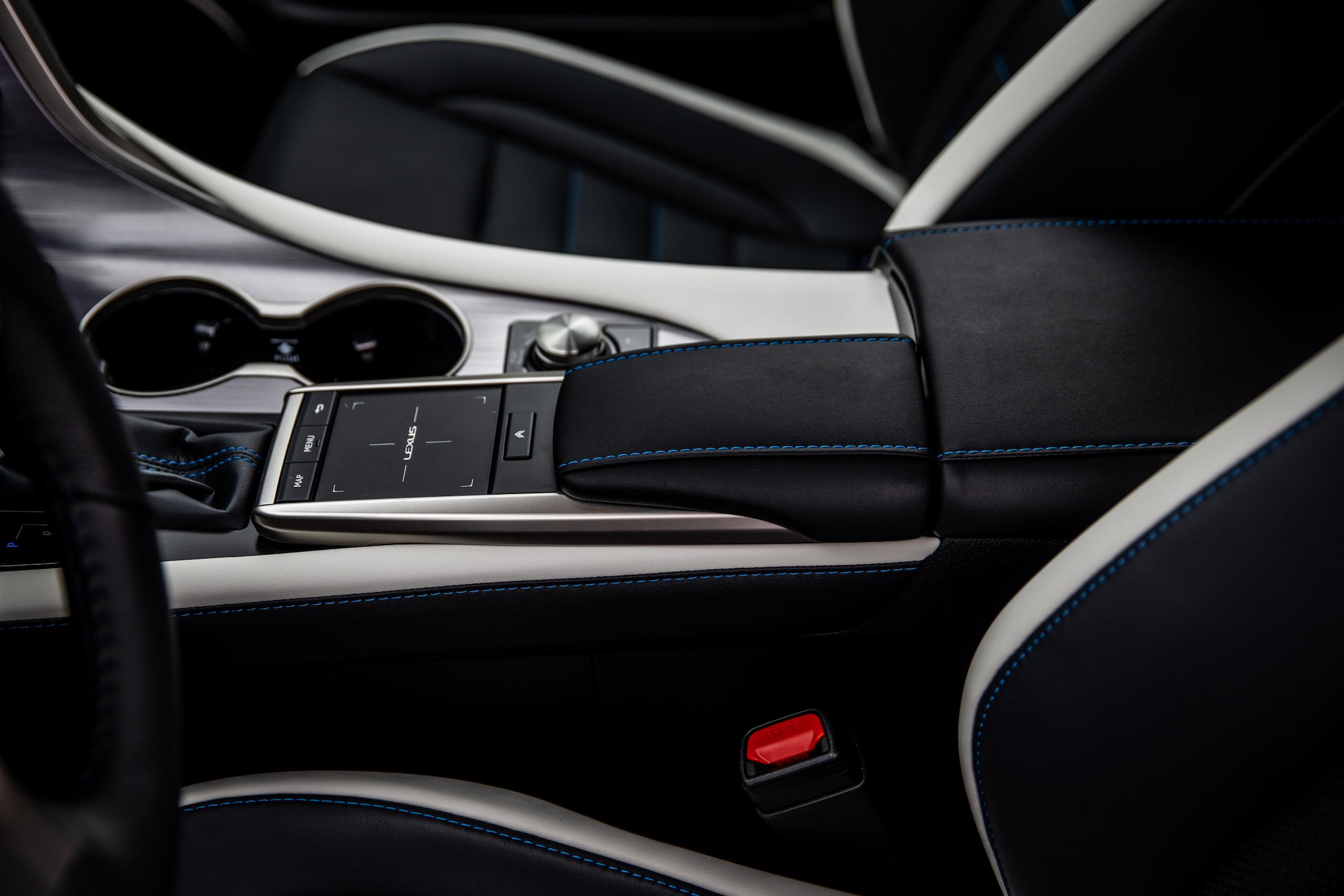 2021 Lexus RX450h interior center console