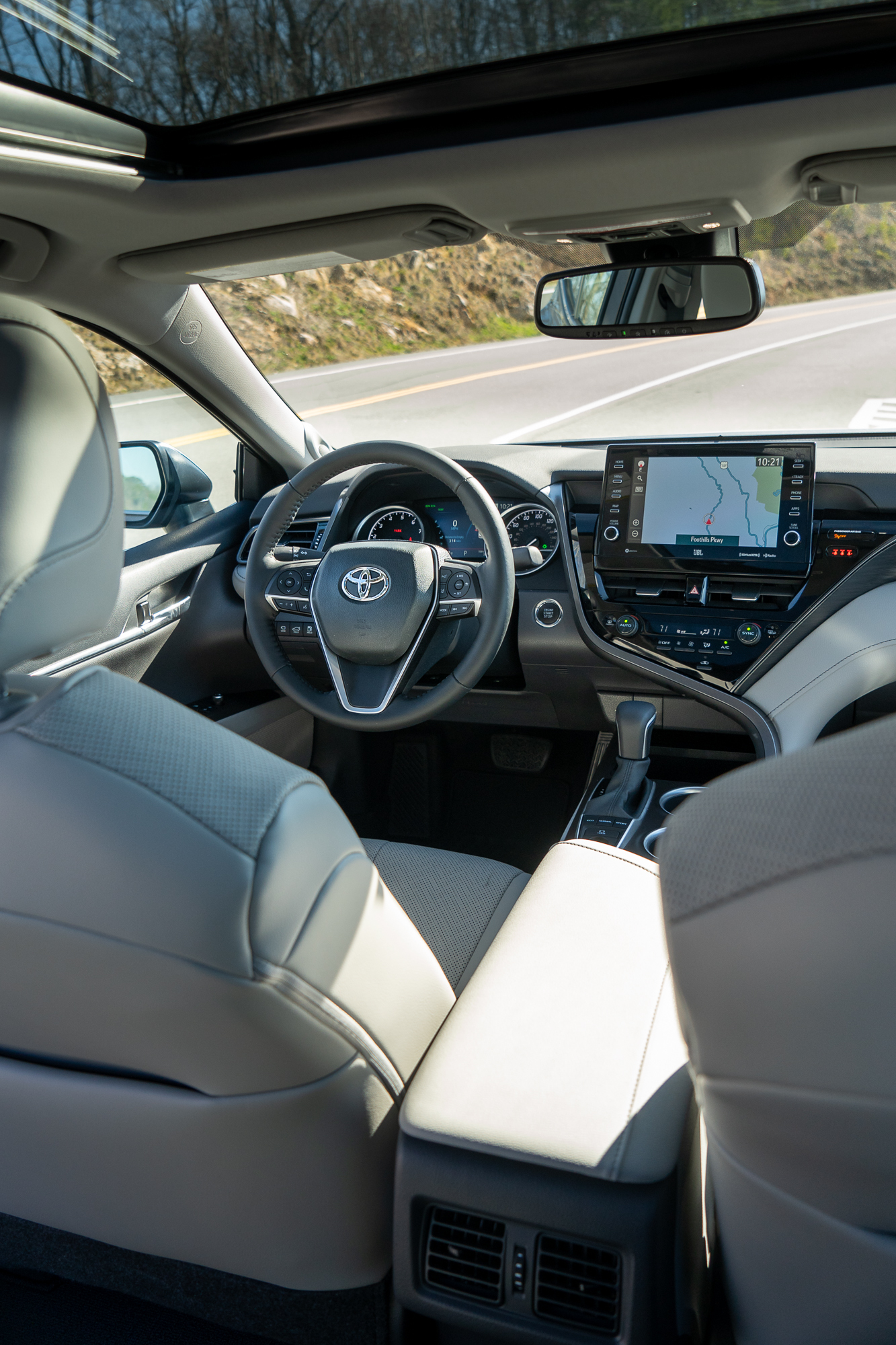 2021 Toyota Camry XLE AWD interior front