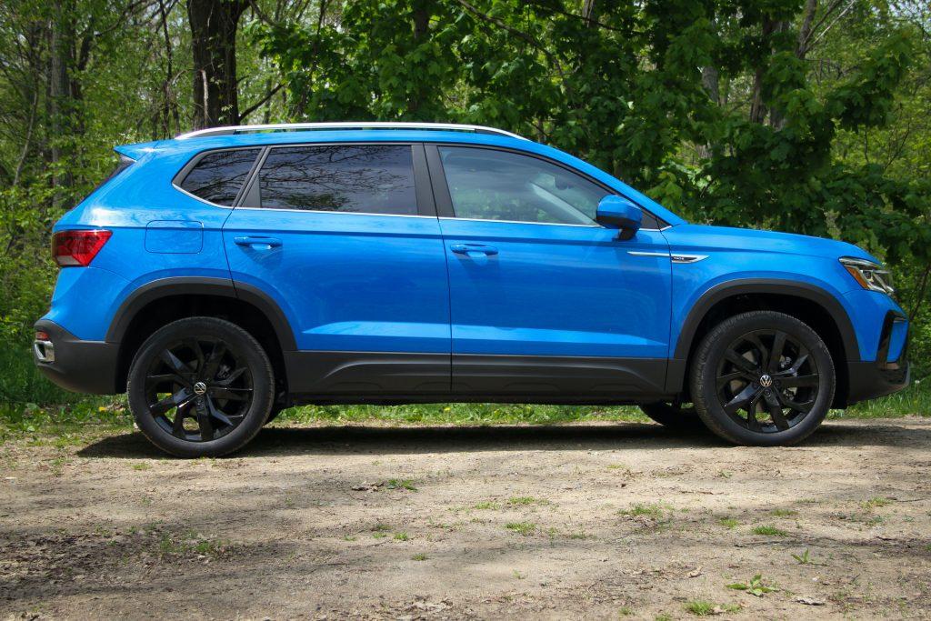 2022 Volkswagen Taos SEL side profile
